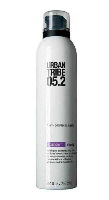 URBAN TRIBE Пенка сильной фиксации для объема 05.2 / Xpander Strong 250млПенки<br>Пена Urban Tribe Xpander для укладки волос и создания объема сильной фиксации создает максимальный объем и густоту волос. Подходит для укладки феном или рукой, придает волосам форму, блеск и эластичность. Термозащитные и солнцезащитные компоненты предохраняют волосы. Ухаживающие катионные ингредиенты облегчают расчесывание, не утяжеляя и не накапливаясь на волосах. Фиксирующий полимер создает эффект покрытия волос для более длительного сохранения укладки. Протеин овса укрепляет корковый слой волоса. Витамин Е, антиоксидант. Органические эко-сертифицированные элементы оказывают увлажняющее, ухаживающее и антиоксидантное действие.<br><br>Вид средства для волос: Увлажняющий