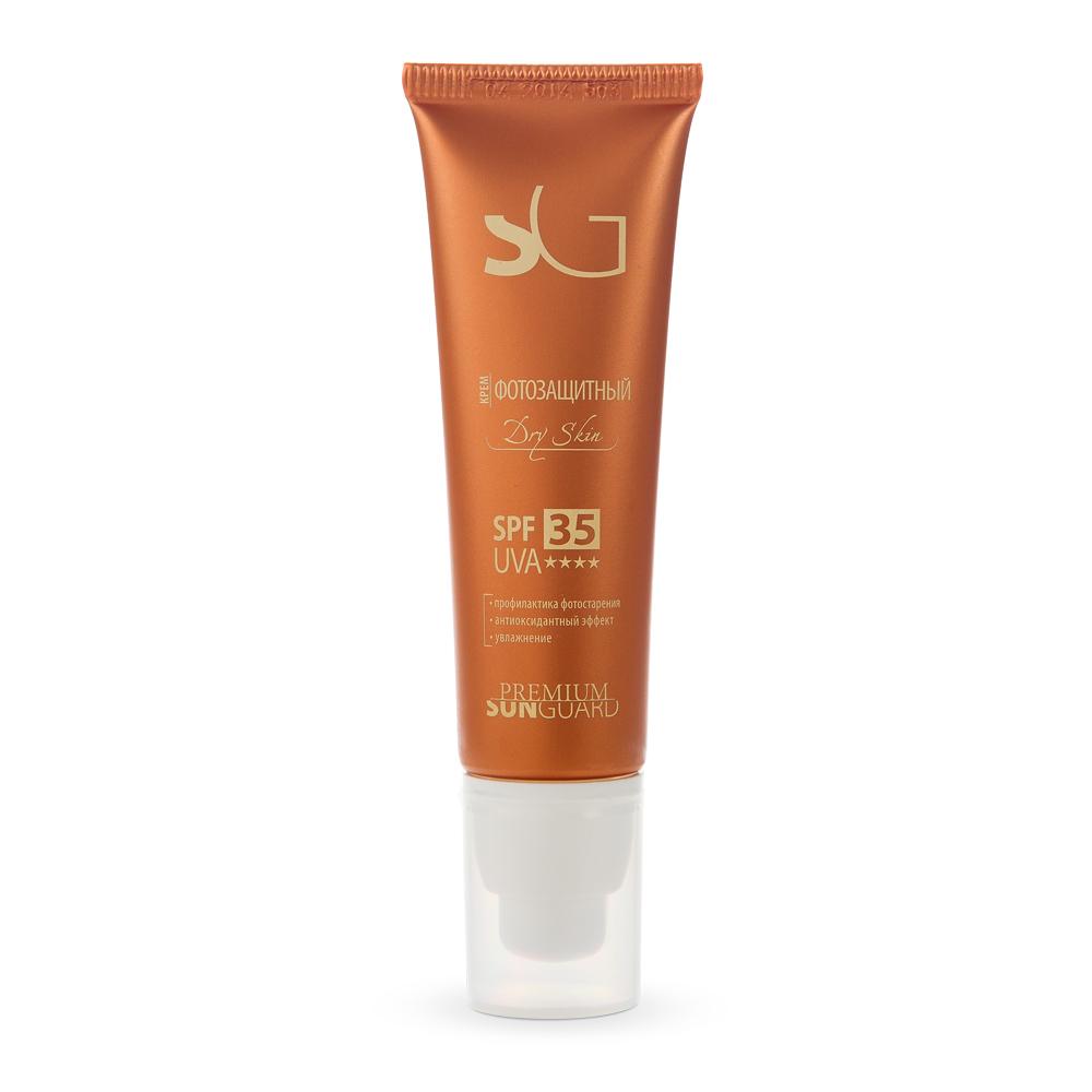 PREMIUM Крем фотозащитный Dry Skin SPF35 / Sunguard 50млКремы<br>Эмульсия разработана с учетом особенностей сухой чувствительной кожи:&amp;nbsp; интенсивно увлажняет;&amp;nbsp; восстанавливает естественные барьерные функции, местный иммунитет кожи;&amp;nbsp; оказывает антиоксидантное действие;&amp;nbsp; предохраняет от ожогов и фотостарения, различного рода гиперпигментаций и телеангиоэктазий.&amp;nbsp; Подходит для регулярного использования, эффективна для защиты кожи от воздействия УФО после проведения косметологических процедур в период низкой и средней солнечной активности. Активные ингредиенты: UVA и UVB-фильтры, витамины А, Е, масло кукурузное, экстракт клевера, хмеля. Способ применения: при различных кожных заболеваниях, приеме фотосенсибилизирующих лекарств, противопоказаниях к УФ-лучам, при 1-м и частично 2-ом типе кожи с высоким содержанием феомеланина, а также после косметологических процедур. Равномерно нанести крем на лицо за 15 минут до выхода на улицу.<br><br>Вид средства для лица: Защитный<br>Типы кожи: Сухая и обезвоженная