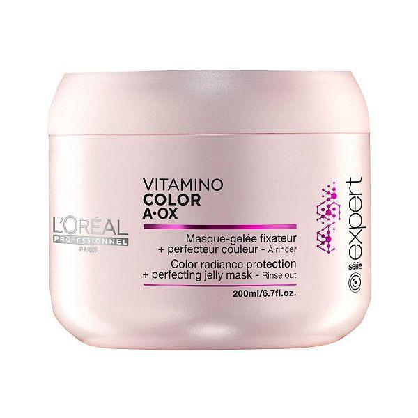 LOREAL PROFESSIONNEL Маска для окрашенных волос / Vitamino Color AOX 500млМаски<br>Маска-желе для защиты и сохранения цвета окрашенных волос. Новая формула с УФ-фильтрами. токоферолом, пантенолом и неогесперидином защищает материю волоса и сохраняет насыщенность оттенка. Восстанавливает и придает блеск окрашенным волосам. Преображение за 1 минуту: Волосы становятся более мягкими, сияющими и обретают живой мерцающий блеск. Способ применения: нанести на вымытые подсушенные полотенцем волосы. Оставить на 1 минуту. Смыть. В случае попадания в глаза немедленно смыть водой.<br><br>Объем: 500 мл<br>Типы волос: Окрашенные