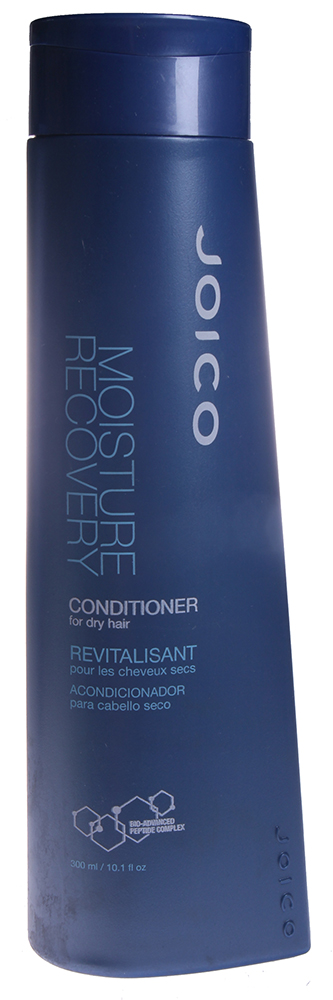 JOICO Кондиционер для сухих волос / MOISTURE RECOVERY 300млКондиционеры<br>Восстанавливает уровень жизненно важной влаги в волосах. Обеспечивает интенсивное увлажнение, предотвращает обезвоживание. рН 4,5-5,5. Второй шаг в оживлении сухих волос. Делает волосы увлажненными, гладкими, управляемыми и более эластичными. Способ применения: Нанести небольшое количество Кондиционера по всей длине вымытых Шампунем волос. Оставить на 1 минуту. Смыть.<br><br>Типы волос: Сухие