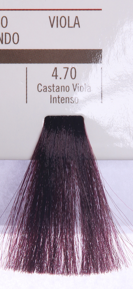 BAREX 4.70 краска для волос / PERMESSE 100млКраски<br>Оттенок: Каштан фиолетовый интенсивный. Профессиональная крем-краска Permesse отличается низким содержанием аммиака - от 1 до 1,5%. Обеспечивает блестящий и натуральный косметический цвет, 100% покрытие седых волос, идеальное осветление, стойкость и насыщенность цвета до следующего окрашивания. Комплекс сертифицированных органических пептидов M4, входящих в состав, действует с момента нанесения, увлажняя волосы, придавая им прочность и защиту. Пептиды избирательно оседают в самых поврежденных участках волоса, восстанавливая и защищая их. Масло карите оказывает смягчающее и успокаивающее действие. Комплекс пептидов и масло карите стимулируют проникновение пигментов вглубь структуры волоса, придавая им здоровый вид, блеск и долговечность косметическому цвету. Активные ингредиенты:&amp;nbsp;Сертифицированные органические пептиды М4 - пептиды овса, бразильского ореха, сои и пшеницы, объединенные в полифункциональный комплекс, придающий прочность окрашенным волосам, увлажняющий и защищающий их. Сертифицированное органическое масло карите (масло ши) - богато жирными кислотами, экстрагируется из ореха африканского дерева карите. Оказывает смягчающий и целебный эффект на кожу и волосы, широко применяется в косметической индустрии. Масло карите защищает волосы от неблагоприятного воздействия внешней среды, интенсивно увлажняет кожу и волосы, т.к. обладает высокой степенью абсорбции, не забивает поры. Способ применения:&amp;nbsp;Крем-краска готовится в смеси с Молочком-оксигентом Permesse 10/20/30/40 объемов в соотношении 1:1 (например, 50 мл крем-краски + 50 мл молочка-оксигента). Молочко-оксигент работает в сочетании с крем-краской и гарантирует идеальное проявление краски. Тюбик крем-краски Permesse содержит 100 мл продукта, количество, достаточное для 2 полных нанесений. Всегда надевайте подходящие специальные перчатки перед подготовкой и нанесением краски. Подготавливайте смесь крем-краски и молочка-оксигента Permesse
