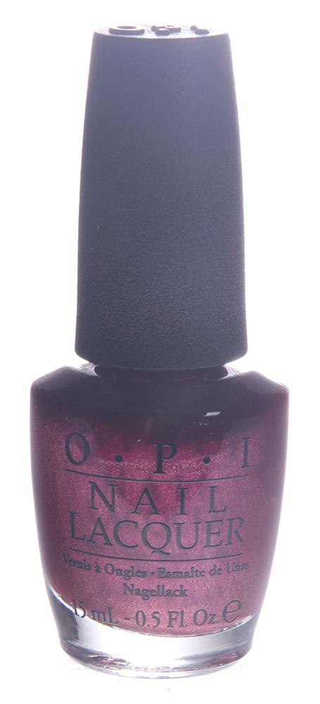 OPI Лак для ногтей Cute Little Vixen OPI / HOLIDAY MARIAH CAREY 15млЛаки<br>В состав этого лака входит бриллиантовая пыль и специальный пигмент, придающий мерцание, благодаря чему лак отражает свет и мерцает как хорошо ограненный бриллиант. Лак быстросохнущий, содержит натуральный шелк, перламутр и аминокислоты. Увлажняет и ухаживает за ногтями. Форма флакона, колпачка и кисти специально разработаны для удобного использования и запатентованы.   Способ применение: Нанесите 1 -2 слоя цветного лака на ногти после нанесения базового покрытия. Для придания прочности и создания блеска нанесите слой верхнего покрытия через одну минуту после нанесения последнего слоя лака.<br><br>Цвет: Красные<br>Виды лака: Перламутровые