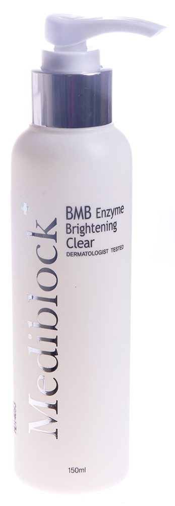 MEDIBLOСK Гель очищающий / BMB Enzyme Brightening Clear 150млГели<br>Натуральный очищающий гель на основе неионогенных ПАВов, с использованием стабилизированных ферментов технологией BST. Эффективно и глубоко очищает кожу от различного вида загрязнений, не вызывая раздражения, оказывает противовоспалительное и антимикробное действие, способствует восстановлению рН баланса. Активные ингредиенты: папаин, бромилайн, протеаза, арбутин, витамин Е, молочная кислота, бетаин, гиалуронат натрия, бета глюканы, BMB комплекс. Способ применения: подходит для всех типов кожи, включая чувствительную. Нанести небольшое количество средства на влажное лицо, вспенить, отработать лёгкими массажными движениями, обильно смыть водой.<br><br>Вид средства для лица: Очищающий