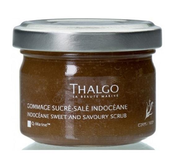 THALGO Скраб для тела сладко-соленый Индосеан / Sweet and Savoury Body Scrub 250гСкрабы<br>Для настоящих гурманов, которые мечтают об ароматном и питательном уходе для тела. Откройте средство, которое питает кожу и делает ее бархатисто-нежной и мягкой как шелк, с приятным расслабляющим ароматом. Благодаря ароматному сочетанию морской соли, коричневого сахара и эфирных масел скраб прекрасно очищает кожу, придает ей нежность и мягкость. Скраб имеет уникальную двухфазную кристаллическую текстуру, обеспечивает приятный и эффективный уход. Кожа становится вновь гладкой, эластичная и упругой. Ку-марин экстракт бурых водорослей обеспечивает защиту и восстановление клеток. Эфирные масла средиземноморских растений - очищение, успокаивающее действие. Морская соль и коричневый сахар великолепно очищают, смягчают и насыщают маслами кожу. Экстракт цветов желтого лотоса оказывает успокаивающее действие. Активные ингредиенты: ку-марин (экстракт бурых водорослей), эфирные масла средиземноморских растений, морская соль, коричневый сахар, экстракт цветов желтого лотоса. Состав: Sucrose, Prunus Amygdalus Dulcis (Sweet Almond) Oil, Oleyl Erucate, Prunus Armeniaca (Apricot) Kernel Oil, Propylene Glycol Dicaprylate/Dicaprate, Simmondsia Chinensis (Jojoba) Seed Oil, Tocopheryl Acetate, Undaria Pinnatifida Extract, Citrus Nobilis (Mandarin Orange) Peel Oil, Aqua (Water), Sodium Chloride, Nelumbo Nucifera Flower Extract, Citrus Grandis (Grapefruit) Peel Oil, Citrus Medica Limonum (Lemon) Peel Oil, Litsea Cubeba Fruit Oil, Citrus Medica Limonum (Lemon) Leaf Oil, Anthemis Nobilis Flower Oil, Tocopherol, Phenoxyethanol, Limonene, Citral. Способ применения: один раз в неделю, нанести на влажную кожу, круговыми массажными движениями, до полного растворения кристаллов соли и сахара. Смыть под душем.<br>