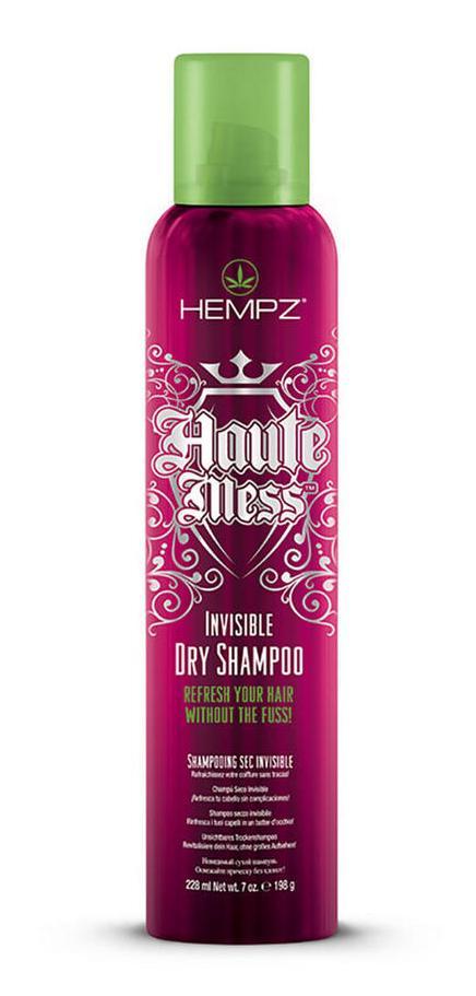 HEMPZ Шампунь сухой / Dry Shampoo 198грШампуни<br>Средства ухода за волосами линии Haute Mess позволяют за несколько минут придать волосам свежий вид, а заодно сделать их пышными и блестящими. Шампунь подходит для очищения волос любого типа. Крайне деликатен к сухим, особенно эффективен для жирных и нормальных. Обычно сухие шампуни для волос отзывы имеют противоречивые. Чаще всего они выполняются в форме пудры, ее достаточно сложно наносить, еще проблематичнее удалять. Косметологи бренда Hempz это учли и создали сухой шампунь в спрее   полностью органический продукт, не содержащий химических ингредиентов-консервантов (парабенов), кроме того, косметика для волос американской компании не содержит глютена, белка хоть и натурального (клейковина пшеницы), но часто вызывающего аллергические реакции. Стоит учесть, что применение шампуня в порошке   мера экстренная, это средство рассчитано на непредвиденные обстоятельства. Даже лучший сухой шампунь не заменит обычного моющего средства, но пригодится в больнице или долгом путешествии. Способ применения: распылите сухой шампунь на волосы, слегка помассируйте, почувствуйте, как за 1-2 минуты кожный жир и грязь скатаются в маленькие комочки. Теперь расческой с частыми зубьями тщательно расчешите пряди. Для восстановления блеска и объема продолжите уход с помощью сухого кондиционера.<br><br>Класс косметики: Натуральная<br>Типы волос: Для всех типов