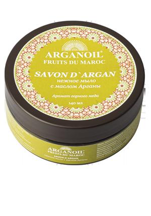 ARGANOIL Мыло с маслом Арганы / FRUITS DU MAROC 140млМыла<br>Мягкое желеобразное марокканское мыло с маслом арганы с деликатным ароматом горного меда изготавливают по той же технологии, что и традиционное. Благодаря добавлению в мыло масла Арганы, происходит обогащение мыла природными витаминами, полиненасыщенными кислотами. Витамин F и Терпены (углеводороды), содействуют выздоровлению и росту новых здоровых клеток кожи и обладают смягчающими и питательными свойствами, кожа защищена от пересушивания. Используется для повседневного умывания, ухода за кожей лица и тела, в банных процедурах эффективно используется с традиционной рукавицей Кесса. Способ применения: нанесите мыло с маслом Арганы на влажную кожу тела и лица, избегая зоны вокруг глаз, оставьте на несколько минут. Смойте мыло и далее приступайте к гоммажу при помощи рукавицы Кесса, удаляя омертвевшие частички кожи и очищая ее, после чего примите душ. Ваша кожа станет чистой и мягкой. Избегайте попадания мыла в глаза. Только для наружного применения.<br><br>Объем: 140 мл<br>Назначение: Обезвоживание<br>Консистенция: Мягкая