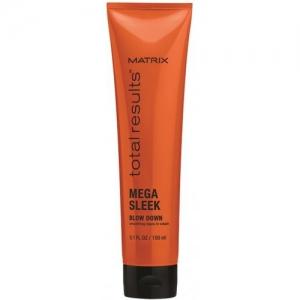 MATRIX Разглаживающий крем с термозащитой / MEGA SLEEK 150млКремы<br>Термозащитный крем Blow Down Leave-in Cream от Matrix подходит волос любого типа. Он основан на технологии 24HR Smoothing Repair, препятствующей образованию нежелательных завитков в прическе и разглаживающей волосы. Позволяет создать прически разного стиля и направленности, гарантируя гладкость волос; Придает волосам мягкость, обеспечивая эластичную укладку; Делает прическу влагостойкой; Защищает волосы при термической сушке и завивке; Придает блеск и сияние Вашим волосам. Активные ингредиенты: керамидные соединения и масло ши, интенсивно восстанавливающие поврежденную структуру волос и сохраняющие волосы идеально гладкими в течение суток. Способ применения: нанесите крем на подсушенные при помощи полотенца волосы и распределите от корней до кончиков. Не смывайте. Дайте высохнуть естественным способом или приступите к брашингу.<br><br>Объем: 150 мл<br>Вид средства для волос: Разглаживающий