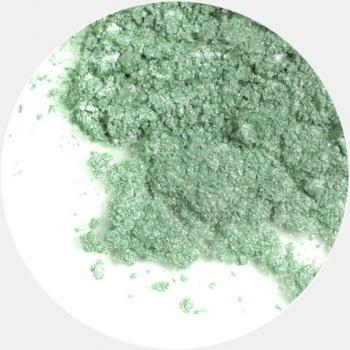 ERA MINERALS Тени минеральные F08 / Mineral Eyeshadow, Frost 1 грТени<br>Тени для век Frost в своем покрытии и исполнении варьируются от мерцающих и морозных до ослепляющих словно блеск снежного кристалла. Яркие, уникальные и многоуровневые оттенки этой формулы с неотразимым эффектом прерывистого света подчеркнут красоту любых глаз. Сильные и яркие минеральные пигменты&amp;nbsp; Можно наносить как влажным, так и сухим способом&amp;nbsp; Без отдушек и содержания масел, для всех типов кожи&amp;nbsp; Дерматологически протестировано, не аллергенно&amp;nbsp; Не тестировано на животных&amp;nbsp; Активные ингредиенты: слюда, нитрид бора, миристат магния, диоксид кремния, алюмоборосиликат. Может содержать: стеарат магния, кармин, каолин, ультрамарин, зеленый оксид хрома, берлинская лазурь, оксиды железа, фиолетовый марганец, оксид титана, диоксид титана. Способ применения: Поместите небольшое количество минеральных теней в крышку от контейнера или на палитру для косметики.&amp;nbsp; Наберите средство, используя одну из наших кистей для бровей и ресниц.&amp;nbsp; Чтобы избежать осыпания, не набирайте на кисть слишком большое количество теней.&amp;nbsp; Нанесите тени четкими короткими штрихами, заполняя редкие зоны линии бровей.&amp;nbsp; Наносите тени в обратную от роста волос сторону, затем пригладьте по направлению роста волос.&amp;nbsp; Для получения четкой тонкой линии наносите влажной кистью, а для мягкого эффекта - сухой.&amp;nbsp; Если вы используете пробные образцы, будет удобный, если насыпать небольшое количество минеральных теней на палитру для косметики или небольшую тарелочку, чтобы было проще заполнить ворсинки кисти.<br><br>Объем: 1 гр