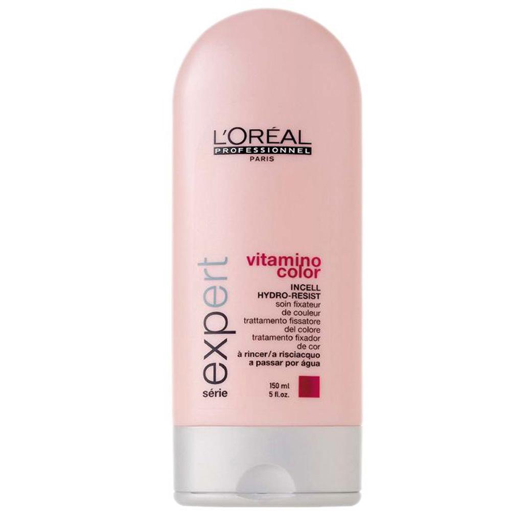 LOREAL PROFESSIONNEL Смываемый уход для окрашенных волос / Vitamino Color AOX 150млОсобые средства<br>Vitamino Color AOX смываемый уход для защиты и сохранения цвета окрашенных волос. Концентрированная формула . Благодаря защите от вымывания цвет окрашеных волос сохраняется более длительное время. Волосы приобретают дополнительный блеск и шелковистоть. Не утяжеляет волосы. Способ применения: на вымытые и подсушенные полотенцем волосы нанесите уход-фиксатор цвета и распределите по всей длине. Подождите 15-20 минут, затем смойте. Рекомендуется использовать вместе с шампунем Витамино Колор.<br><br>Объем: 150 мл<br>Типы волос: Окрашенные