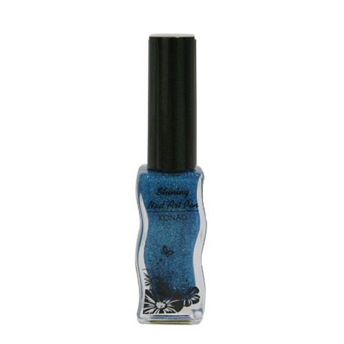 KONAD Лак для дизайна ногтей с тонкой кисточкой Blue / Shining art pen 11млЛаки<br>С помощью этой кисти вы сможете создавать тонкие, средние и толстые линии (меняя нажим кисти) линии, точки, изящные узоры и авторские рисунки. Тонкая кисть для росписи ногтей от Konad - это великолепное дополнение к Вашему набору для стемпинга. Теперь каждый Ваш рисунок станет по-настоящему уникальным и неповторимым. Цвета лака для росписи нельзя не отметить. Они прекрасны, потому что отличаются по палитре от цветов лаков для стемпинга. А это значит, что в Вашем арсенале появляется ещё один незаменимый инструмент! Способ применения: нанесите с помощью тонкой кисти фантазийный рисунок на подготовленную ногтевую пластину. Рисуйте, творите!<br><br>Цвет: Синие<br>Объем: 11 мл<br>Виды лака: С блестками