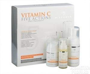 HISTOMER Набор Vitamin CНаборы<br>Подарочный набор Vitamin C поможет устранить несовершенства кожи лица, подарит ей красоту, сияние и здоровье. Программа способствует полному обновлению эпидермиса, увеличивает упругость, повышает тургор кожных покровов, стирает пигментацию. В набор включены следующие средства: Очищающий мусс 100мл,&amp;nbsp; Крем для лица с Витамином С 50 мл,&amp;nbsp; Комплексная сыворотка с Витамином С 30мл.&amp;nbsp; Все препараты, благодаря содержанию C-Bio Booster  с виноградными процианидинами, стволовых клеткок растений, витаминов С и Е, способствуют омоложению кожи и успешно борются с основными признаками ее увядания. Препараты эффективно действуют в пяти направлениях: стирают пигментные пятна и дарят сияние; снимают покраснения (купероз) и сужают капилляры; выравнивают кожный рельеф; обеспечивают лифтинг-эффект; борются со свободными радикалами и разглаживают морщины. Ваша кожа при использовании программы вновь становится молодой, красивой и ухоженной, быстро исчезают различные кожные дефекты. Способ применения:&amp;nbsp;нанести очищающий мусс, помассировать, затем смыть водой. Утром нанести на подготовленную кожу крем. Вечером - сыворотку.<br><br>Типы кожи: Для всех типов