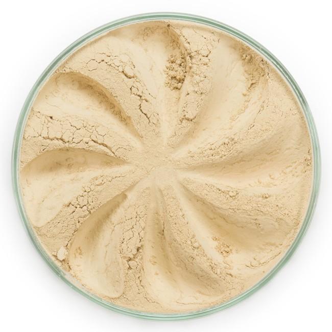 ERA MINERALS Основа тональная минеральная 143 / Mineral Foundation, Surreal 7 грТональные основы<br>Основа Surreal подходит для всех типов кожи. Обеспечивает плотное или умеренное покрытие с легким матовым эффектом. Без отдушек и масел, для всех типов кожи&amp;nbsp; Водостойкое, долгосрочное покрытие&amp;nbsp; Широкий спектр фильтров UVB/UVA, протестированных при SPF 30+&amp;nbsp; Некомедогенно, не блокирует поры&amp;nbsp; Дерматологически протестировано, не аллергенно Антибактериальные ингредиенты, помогает успокоить раздраженную кожу&amp;nbsp; Состоит из неактивных минералов, не способствует развитию бактерий&amp;nbsp; Не тестировано на животных&amp;nbsp; Минеральная тональная основа Era Minerals заменит любой тональный крем, поскольку создает безупречное покрытие, обеспечивая естественный вид; разглаживает и выравнивает тон кожи, аккуратно скрывая ее недостатки, а при нанесении в несколько слоев остается невесомой и стойкой. Она состоит из природных минеральных пигментов, обеспечивая поддержание здоровья кожи, защищает от солнечного воздействия, предотвращая появление солнечных ожогов и раннее старение кожи. Выберите подходящую для вас формулу минеральной основы   разработанную индивидуально для каждого типа кожи. Эти формулы различаются по интенсивности покрытия и завершению макияжа. Активные ингредиенты: слюда (CI 77019), оксид цинка (CI 77947), диоксид титана (CI 77891), лаурил лизин. Может содержать (+/-): оксиды железа (CI 77489, CI 77491, CI 77492, CI 77499). При производстве этого отттенка не использовались продукты животного происхождения.&amp;nbsp; В состав нашей минеральной косметики НЕ ВХОДЯТ: хлорокись висмута, тальк, силиконы, парабены, ГМО, нефтехимические вещества, фталаты, сульфаты, ароматизаторы, синтетические красители или наночастицы. Способ применения: Перед нанесением минеральной косметики кожа должна быть чистой и хорошо увлажненной, но сухой на ощупь.&amp;nbsp; Опционально можно использовать&amp;nbsp;Базу под макияж, чтобы подготовить кожу 