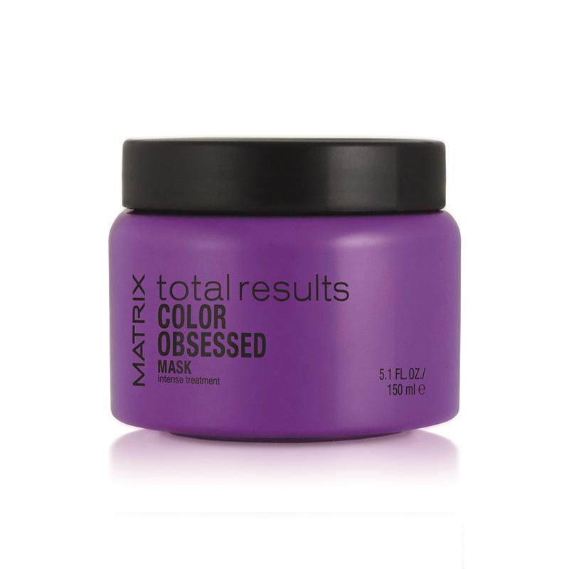 MATRIX Маска для защиты цвета окрашенных волос / COLOR OBSESSED 150млМаски<br>Маска для волос линии Matrix Total Results рекомендована для интенсивного увлажнения и питания окрашенных волос. Средство активно восстанавливает пористые участки волосяных волокон, препятствует проникновению свободных радикалов и защищает волосы от воздействия ультрафиолета. Придает волосам насыщенный оттенок и блеск. Способ применения: небольшую порцию средства нанести на чуть влажные и чистые волосы, помассировать, расчесать при необходимости. Выждать несколько минут и смыть. Применять 1 раз в неделю или по необходимости.<br><br>Объем: 150 мл<br>Типы волос: Окрашенные