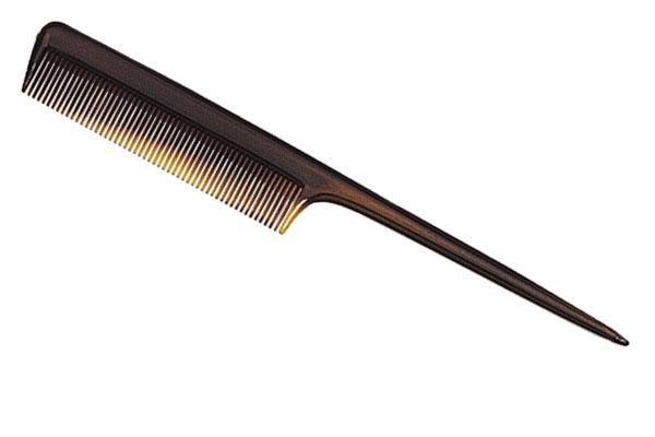 HAIRWAY Расческа T хвост мет. коричневая 21см / TITANIAРасчески<br>Используется для расчесывания и укладки волос. Активные ингредиенты: высококачественный пластик.<br><br>Типы волос: Для всех типов