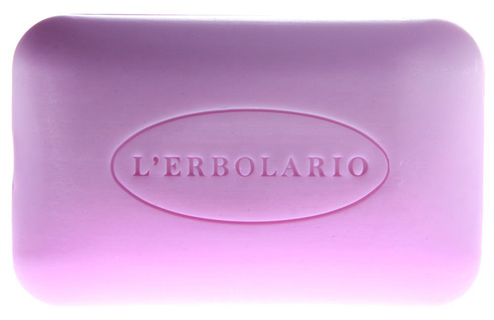 LERBOLARIO Мыло душистое мыло Роза 100 грМыла<br>Душистое мыло Роза создано по рецепту смеси, родившегося в XIX веке. Метод производства остался прежним, когда честный ремесленник посвящал каждому своему изделию столько личной заботы, как будто бы изготавливал какой-нибудь драгоценный предмет. Мыло хорошо пенится, а его пена, кремообразная и мягкая, придаёт коже бархатистость и делает её более мягкой. Подходит для всех типов кожи. Способ применения: Используйте мыло для мытья лица, рук и кожи всего тела.<br>