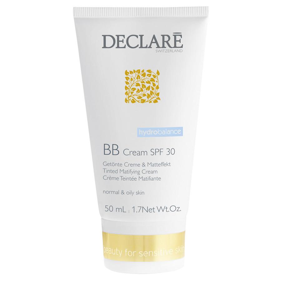 DECLARE Крем ББ c увлажняющим эффектом SPF30 / BB Cream 50млКремы<br>Новый мультифункциональный BB-Крем объединяет в себе увлажняющий уход, тональный крем, пудру, основу под макияж и защиту от солнца. Содержит высокоэффективные ингредиенты, которые помогут сделать вашу кожу более гладкой, мягкой на протяжении всего дня: ценные экстракты водорослей интенсивно увлажняют кожу в течение 24 часов. Благодаря наличию SPF 30 и UV фильтрам защищает кожу от солнечного повреждения, таким образом предотвращает преждевременное старение кожи, проявление морщин, родинок, пигментных пятен и потерю эластичности.  Незаменим для тех, кто хочет провести время на открытом воздухе. Благодаря своим абсорбирующим свойствам, мягкий, порошкообразный активный компонент Orgasol действует как матирующая бумага и сохраняет свежесть, и матовость кожи в течение длительного времени. Моментально маскирует покраснения и раздражения кожи; Придает коже лица ровный и безупречный оттенок. Легкая текстура крема хорошо скрывает неровности кожи, маскирует покраснения и высыпания, делая кожу лица более гладкой и безупречной. Шелковистая и мягкая текстура крем подходит для всех типов кожи. В частности, рекомендуется использовать для нормальной, комбинированной и жирной кожи.  Активные ингредиенты: Lipomoist (экстракт водорослей - увлажняет), orgasol (абсорбирует остатки кожного жира, матирует), UV-B-фильтры, src-complex (успокаивает, снимает раздражения).  Способ применения: Крем может использоваться в качестве дополнительного средства к вашему ежедневному уходу (можно наносить на сыворотку, концентрат или дневной крем) или как самостоятельное средство по уходу.<br>