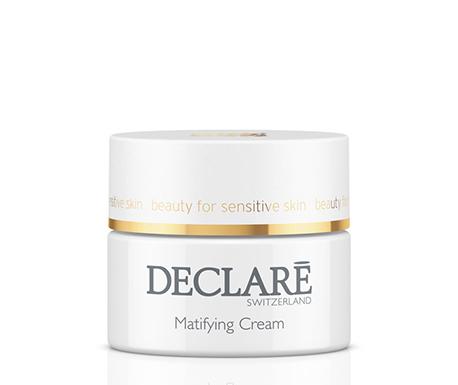 DECLARE Крем матирующий увлажняющий / Matifying Hydro Cream 50млКремы<br>Матирующий увлажняющий крем Declare Matifying Hydro Cream интенсивно увлажняет кожу, улучшает ее способность сохранять влагу. Обеспечивает астингентный (стягивающий) эффект, улучшая состояние пор и текстуру кожи. Матирующий увлажняющий крем Декларе защищает кожу от вредного воздействия окружающей среды и других факторов стресса. Содержит специальный комплекс против образования  черных точек  (комедонов).&amp;nbsp; Активные ингредиенты: вода, стеарет-2, бутилен гликоль, сорбитол, стеарет-21, полисорбат-20, пэг-8 дистеарат, стеарил алкоголь, ппг-15 стеарил эфир, токоферол ацетат, каолин,экстракт гамамелиса, феноксиэтанол, тетрагидроксипропил этилендиамин,пантенол, карбомер, диметикон, имидазолинил мочевины, алантоин, масло жожоба, алкоголь денат, пропилен гликоль, экстракт фиалки трехцветной, фруктовый экстракт, отдушка,салициловая кислота, парабены.&amp;nbsp; Способ применения: ежедневно наносить на очищенную гелем и тоником PURE BALANCE Declare кожу.<br><br>Назначение: Черные точки