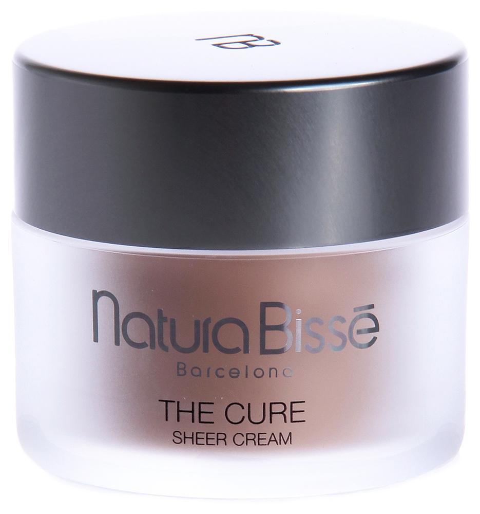 NATURA BISSE Крем тонирующий увлажняющий SPF20 / Sheer Cream THE CURE 50млКремы<br>Крем The Cure Sheer обеспечивает максимальное увлажнение кожи в течение всего дня, надежно защищает ее от ультрафиолетовых лучей, предотвращая появление признаков фотостарения. Крем The Cure Sheer, адаптируясь к естественному тону кожи, делает ее здоровой и сияющей. Выравнивает тон и улучшает цвет лица. Является отличной альтернативой тяжелым тональным кремам. Стимулирует рост коллагена I-III типа. Повышает эластичность и мягкость кожи. Уменьшает проявление тонких линий и морщин. Улучшает способность кожи поглощать и удерживать влагу. Обеспечивает длительную защиту от UVA/UVB лучей. Низкомолекулярная гиалуроновая кислота сохраняет оптимальный уровень увлажнения в течение 12 часов. Активные ингредиенты (состав): Water (Aqua), Glycerin, Camellia Sinensis Leaf Extract, Betaine,Xylitylglucoside, Anhydroxylitol, Xylitol, Citrus Aurantium Dulcis (Orange) Peel Oil, Citrus Reticulata(Tangerine) Leaf Oil, Menthyl Lactate, Lavandula Angustifolia (Lavender) Oil, Rosmarinus Officinalis(Rosemary) Leaf Oil, Citrus Limon (Lemon) Peel Oil, Cupressus Sempervirens Leaf/Nut/Stem Oil,Salvia Lavandulaefolia Leaf Oil, Olea Europaea (Olive) Leaf, Sclerotium Gum, Xanthan Gum,Caprylyl Glycol, PEG-40 Hydrogenated Castor Oil, PEG-6 Caprylic/Capric Glycerides,Triethanolamine, Disodium EDTA, Potassium Sorbate, Sodium Benzoate, Phenoxyethanol,Fragrance (Parfum), Limonene, Linalool. Способ применения: тщательно очистите лицо, шею и область декольте и нанесите сначала подходящую сыворотку или крем для кожи вокруг глаз. Легкими массирующими движениями равномерно нанесите The Cure Sheer Cream до полного впитывания средства.<br><br>Объем: 50<br>Вид средства для лица: Увлажняющий<br>Назначение: Морщины