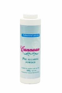 CANNAAN Тальк Cannaan, 300грТальки<br>Тальк для шугаринга незаменим во время проведения процедуры. Он позволяет убрать излишек влаги, а также приподнимает волоски, что позволяет провести процедуру шугаринга быстрее и комфортнее. За счет минимального размера частиц пудра для шугаринга легко распределяется по коже и обеспечивает эффективную адгезивность. Благодаря этому процедура сахарной депиляции проходит быстрее и легче. Тальк имеет экономичный расход, его хватит надолго! Преимущества: Не изменяет свойства пасты;&amp;nbsp; Экономична в использовании;&amp;nbsp; Подсушивает кожу;&amp;nbsp; Делает процедуру более  чистой  Способ применения: нанести на участок тела, где будет происходить депиляция сахарной пастой<br><br>Объем: 300 гр<br>Вид средства для тела: Сахарный