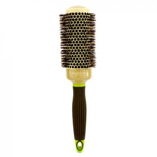 MACADAMIA Natural Oil Брашинг 43мм / Hot Curling BrushБрашинги<br>Брашинг для волос с натуральной щетиной 43 мм Hot Curling Brush - превосходный инструмент для создания самых разных причесок. Он позволит вам создать красивейшие аккуратные локоны или наоборот выпрямить волосы. Придает мягкость и сияние волосам. Этот брашинг имеет средний диаметр, поэтому он наиболее оптимален для создания причесок со средними стрижками. Натуральная щетина брашинга имеет оптимальную жесткость и бережно расчесывает волосы, не травмируя при этом кожу головы. Облегчает сушку и укладку. Что немаловажно в создании прически, брашинг обладает антистатическим воздействием. Для удобства использования ручка брашинга имеет специальное, нескользящее покрытие Soft touсh. Брашинг совершенно не агрессивен по отношению к волосам и коже головы. Результат. При регулярном использовании брашинга от Макадамия волосы становятся более здоровыми, гладкими и послушными. Активный состав: Керамическое покрытие, натуральная щетина. Применение: Используйте совместно с феном для создания укладки.<br>