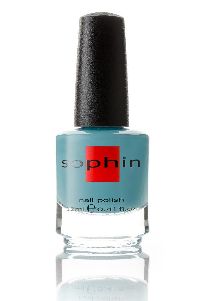 SOPHIN Лак для ногтей, голубой 12млЛаки<br>Коллекция лаков SOPHIN очень разнообразна и соответствует современным веяньям моды. Огромное количество цветов и оттенков дает возможность создать законченный образ на любой вкус. Удобный колпачок не скользит в руках, что облегчает и позволяет контролировать процесс нанесения лака. Флакон очень эргономичен, лак легко стекает по стенкам сосуда во внутреннюю чашу, что позволяет расходовать его полностью. И что самое главное - форма флакона позволяет сохранять однородность лаков с блестками, глиттером, перламутром. Кисть средней жесткости из натурального волоса обеспечивает легкое, ровное и гладкое нанесение. Быстро высыхает&amp;nbsp; Превосходно наносится&amp;nbsp; Долго держится&amp;nbsp; Создаёт глубокое блестящее покрытие&amp;nbsp; Легко применяется и удаляется Big5free Активные ингредиенты. Состав: ethyl acetate, butyl acetate, nitrocellulose, acetyl tributyl citrate, isopropyl alcohol, adipic acid/neopentyl glycol/trimellitic anhydride copolymer, stearalkonium bentonite, n-butyl alcohol, styrene/acrylates copolymer, silica, benzophenone-1, trimethylpentanedyl dibenzoate, polyvinyl butyral.<br><br>Цвет: Синие