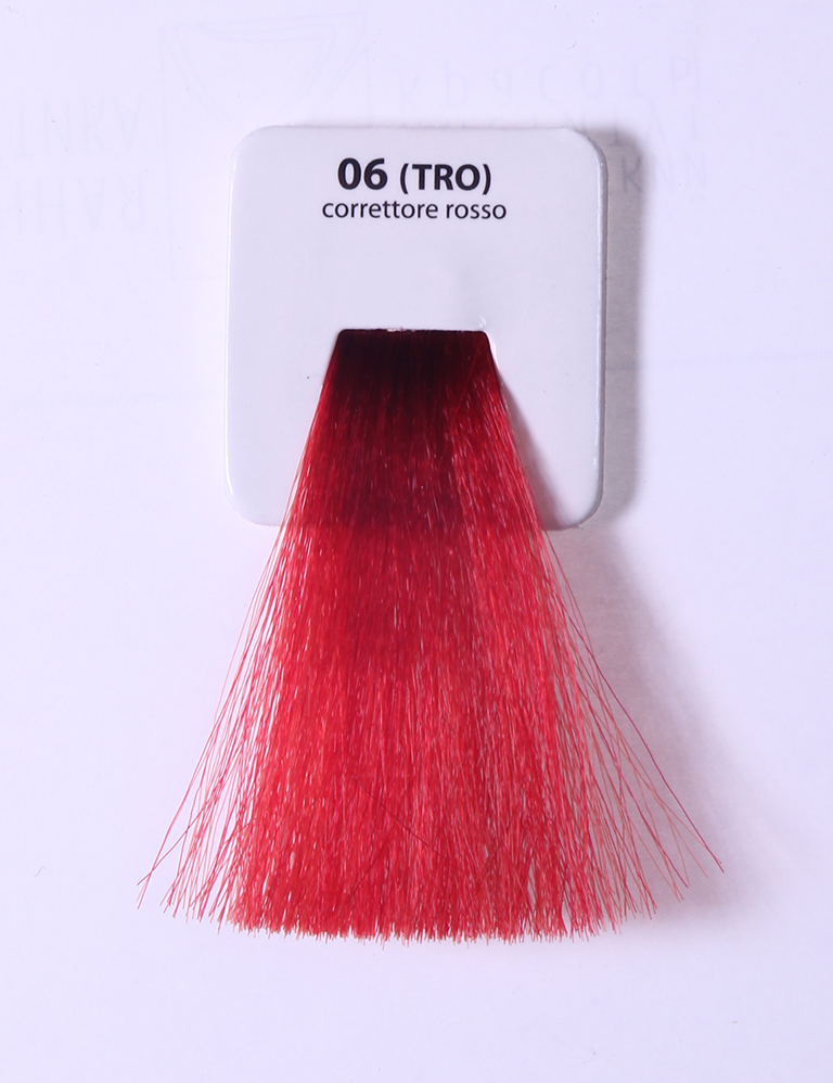 KAARAL T-RO корректор красный (06) / Sense COLOURS 100млКорректоры<br>T-RO красный корректор (06) Перманентные красители. Классический перманентный краситель бизнес класса. Обладает высокой покрывающей способностью. Содержит алоэ вера, оказывающее мощное увлажняющее действие, кокосовое масло для дополнительной защиты волос и кожи головы от агрессивного воздействия химических агентов красителя и провитамин В5 для поддержания внутренней структуры волоса. При соблюдении правильной технологии окрашивания гарантировано 100% окрашивание седых волос. Палитра включает 93 классических оттенка. Способ применения: Приготовление: смешивается с окислителем OXI Plus 6, 10, 20, 30 или 40 Vol в пропорции 1:1 (60 г красителя + 60 г окислителя). Суперосветляющие оттенки смешиваются с окислителями OXI Plus 40 Vol в пропорции 1:2. Для тонирования волос краситель используется с окислителем OXI Plus 6Vol в различных пропорциях в зависимости от желаемого результата. Нанесение: провести тест на чувствительность. Для предотвращения окрашивания кожи при работе с темными оттенками перед нанесением красителя обработать краевую линию роста волос защитным кремом Вaco. ПЕРВИЧНОЕ ОКРАШИВАНИЕ Нанести краситель сначала по длине волос и на кончики, отступив 1-2 см от прикорневой части волос, затем нанести состав на прикорневую часть. ВТОРИЧНОЕ ОКРАШИВАНИЕ Нанести состав сначала на прикорневую часть волос. Затем для обновления цвета ранее окрашенных волос нанести безаммиачный краситель Easy Soft. Время выдержки: 35 минут. Корректоры Sense. Используются для коррекции цвета, усиления яркости оттенков, создания новых цветовых нюансов, а также для нейтрализации нежелательных оттенков по законам хроматического круга. Содержат аммиак и могут использоваться самостоятельно. Оттенки: T-AG - серебристо-серый, T-M - фиолетовый, T-B - синий, T-RO - красный, T-D - золотистый, 0.00 - нейтральный. Способ применения: для усиления или коррекции цвета волос от 2 до 6 уровней цвета корректоры добавляются в краситель по 