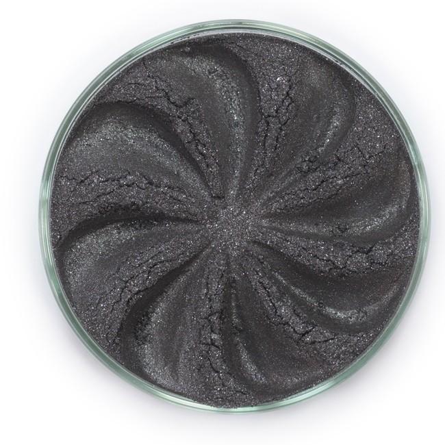 ERA MINERALS Тени минеральные F20 / Mineral Eyeshadow, Frost 1 грТени<br>Тени для век Frost в своем покрытии и исполнении варьируются от мерцающих и морозных до ослепляющих словно блеск снежного кристалла. Яркие, уникальные и многоуровневые оттенки этой формулы с неотразимым эффектом прерывистого света подчеркнут красоту любых глаз. Сильные и яркие минеральные пигменты&amp;nbsp; Можно наносить как влажным, так и сухим способом&amp;nbsp; Без отдушек и содержания масел, для всех типов кожи&amp;nbsp; Дерматологически протестировано, не аллергенно&amp;nbsp; Не тестировано на животных&amp;nbsp; Активные ингредиенты: слюда, нитрид бора, миристат магния, диоксид кремния, алюмоборосиликат. Может содержать: стеарат магния, кармин, каолин, ультрамарин, зеленый оксид хрома, берлинская лазурь, оксиды железа, фиолетовый марганец, оксид титана, диоксид титана. Способ применения: Поместите небольшое количество минеральных теней в крышку от контейнера или на палитру для косметики.&amp;nbsp; Наберите средство, используя одну из наших кистей для бровей и ресниц.&amp;nbsp; Чтобы избежать осыпания, не набирайте на кисть слишком большое количество теней.&amp;nbsp; Нанесите тени четкими короткими штрихами, заполняя редкие зоны линии бровей.&amp;nbsp; Наносите тени в обратную от роста волос сторону, затем пригладьте по направлению роста волос.&amp;nbsp; Для получения четкой тонкой линии наносите влажной кистью, а для мягкого эффекта - сухой.&amp;nbsp; Если вы используете пробные образцы, будет удобный, если насыпать небольшое количество минеральных теней на палитру для косметики или небольшую тарелочку, чтобы было проще заполнить ворсинки кисти.<br><br>Объем: 1 гр