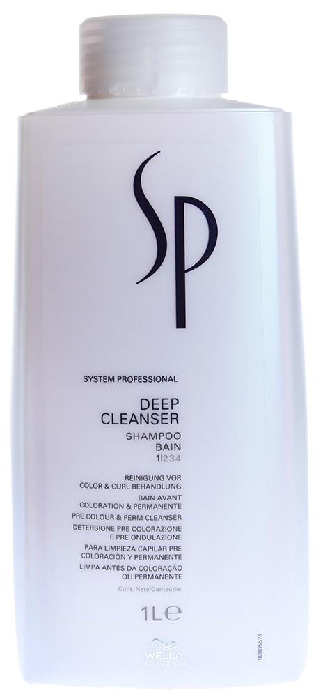 WELLA Шампунь для глубокого очищения волос / SP Deep cleanser shampoo 1000млШампуни<br>Шампунь для глубокого очищения от Wella бережно удаляет остатки стайлинга с волос и кожи головы, смягчает эпидермис и снимает раздражение. Средство идеально подготавливает волосы к интенсивным салонным процедурам. Wella Deep Cleanser входит в серию Specialist и обеспечивает действительно особый уход за кожей головы.  Активные ингредиенты: Липиды. Способ применения: Нанесите небольшое количество шампуня от Велла на влажные волосы, помассируйте кожу головы и тщательно смойте средство теплой водой. При необходимости повторите процедуру еще раз.<br><br>Вид средства для волос: Очищающий<br>Типы волос: Для всех типов
