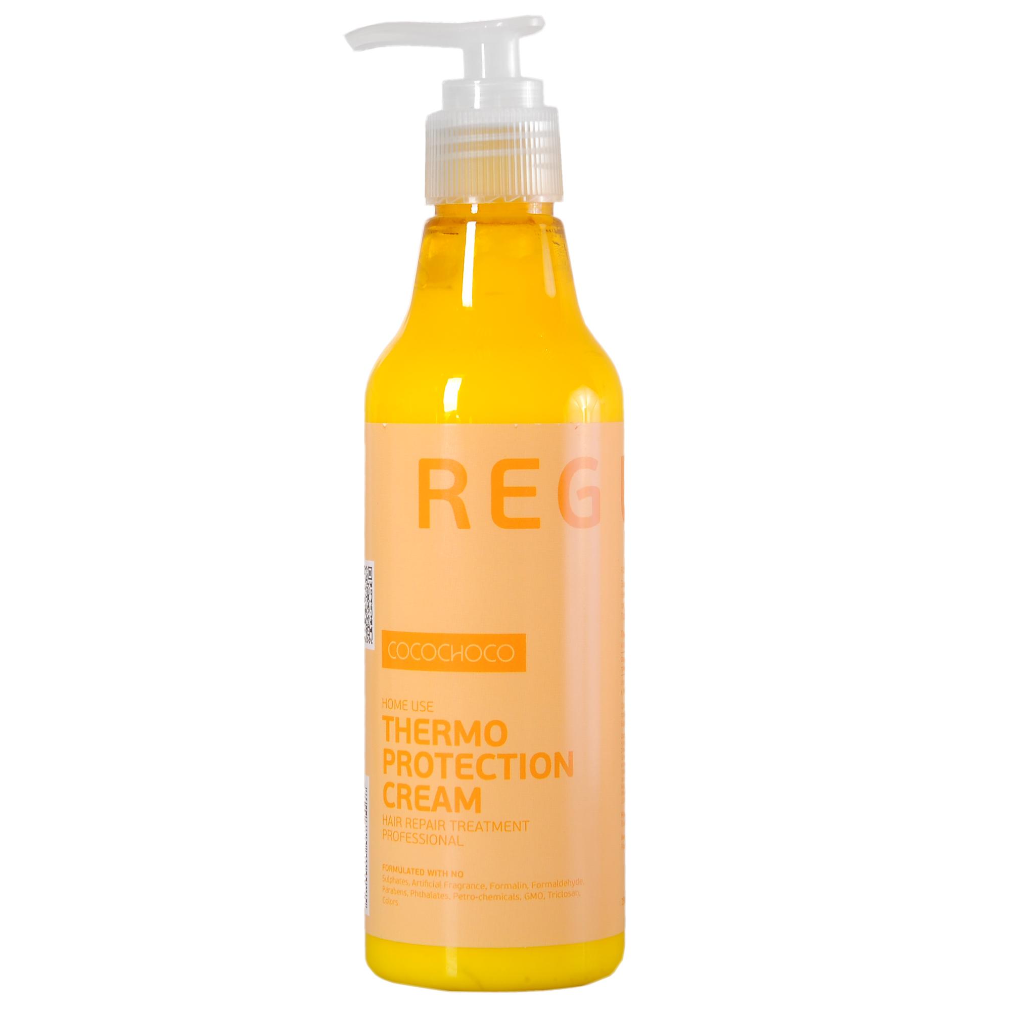 COCOCHOCO Термозащита / REGULAR 250 млКремы<br>Термозащитный крем для волос Regular Thermo Protection Cream обеспечивает эффективную защиту волос от негативного воздействия термической обработки. Обогащает волосы питательными веществами, делает их гладкими и шелковистыми, облегчает процесс укладки. Поддерживает эффект после процедуры кератинового восстановления волос. Активные ингредиенты: смягчение (масла): аргана. Питание (экстракты): сверция японская, лопух, овес, алоэ. Восстановление (аминокислоты): гиалуроновая кислота, альгинаты, пантенол D-5, токоферил ацетат (витамин Е). Уплотнение (протеины): протеин пшеницы, натуральный кератин, протеин сои, молочный казеин. Текстура: глицерид мускатного ореха, силанетриол, феноксиэтанол, бензиловый спирт, гидролизованный крахмал, триглицерид каприловой кислоты Способ применения: перед использованием горячих средств укладки нанести на сухие либо влажные волосы. После этого приступить к применению горячих щипцов, фена и других приборов.<br><br>Объем: 250 мл