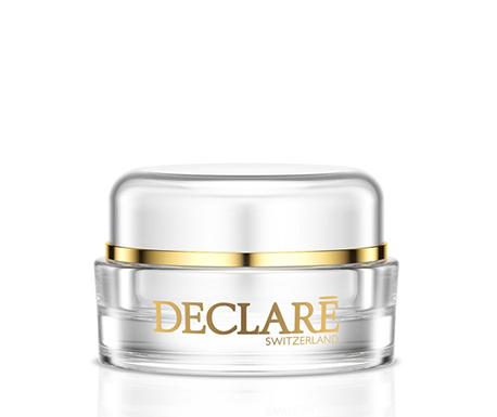 DECLARE Крем против морщин для кожи вокруг глаз / Nutrilipid Wrinkle Diminish Eye Treatment 20млКремы<br>Деликатная кожа вокруг глаз требует особого бережного ухода. Nutrilipid Wrinkle Diminish Eye Treatment от Declare содержит комплекс Reductine на основе натуральных масел, которые смягчают и восстанавливают нежную и чувствительную кожу вокруг глаз, уменьшают глубину мелких морщин, интенсивно увлажняют. Крем Декларе для кожи вокруг глаз восстанавливает защитный барьер, снимает напряжение и усталость, предупреждает появление морщин. Специальный активный комплекс смягчает и укрепляет кожу, поддерживает оптимальную увлажненность.&amp;nbsp; Активные ингредиенты: вода, децил олеат, триглицериды, бутилен гликоль, сорбитол, глицерил стеарат, пэг-100 стеарат, натрий гиалуронат, цетил алкоголь, токоферол ацетат, экстракт алоэ, экстракт водорослей, стеарет-2, глицерин, экстракт рожкового дерева, гидролизат казеина, имидазолидинил мочевины, глицины сои, полисорбат-20, карбомер, церамид-3, натрий гидроксид, тетрасодиум эдта, пальмитоил пентапептид-3.&amp;nbsp; Способ применения: наносить крем на область вокруг глаз после очищения кожи легкими круговыми движениями утром и/или вечером.<br><br>Возраст применения: После 35<br>Назначение: Морщины