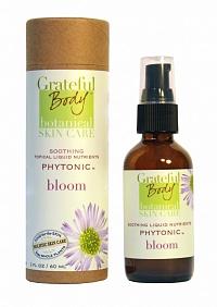 GRATEFUL BODY Фитоник Цветок / Bloom 60 млТоники<br>Целебный эликсир для нежной, чувствительной кожи. Капустный сок, лесное яблоко, камедь брузеры и другие целебные ингредиенты помогают чувствительной коже избежать раздражений, а коже, поврежденной солнцем дарят возможность быстрого восстановления. Уникальный фито-рецепт! Активные ингредиенты: &amp;nbsp; органические растительные экстракты: арника, черноголовка обыкновенная, вероника лекарственная, ежевика, органический сок листьев алоэ, органический гель семян чиа;&amp;nbsp; органическая настойка: щавель, норичник, красный клевер, цветы бурачника;&amp;nbsp; органический коктейль гидрозолей: гидрозоль гелихризума, гидрозоль тысячелистника, гидрозоль ромашки, гидрозоль зверобоя, органический гаммамелис, водяная камедь брузеры мелколистной/слонового дерева;&amp;nbsp; органический коктейль соков: сок дикой капусты, сок петрушки, органический концентрат зеленого чая, органический экстракт какао бобов; органические экстракты цветов: лесного яблока, бука, органическая настойка расторопши, органический уксус красного шисо, органический виноградный спирт, органический экстракт лишайника, органический ферментированный экстракт куркумы, органический экстракт камю-камю, эликсир рутилового кварца, розовая минеральная гималайская соль, органический фермент корня редьки. Способ применения: выдавите небольшое количество фито-тоника в ладонь,немного разотрите в ладонях, затем нежно вотрите в кожу. Нанесите восстановитель или крем. Использовать по мере необходимости.<br><br>Объем: 60 мл<br>Класс косметики: Натуральная<br>Типы кожи: Чувствительная