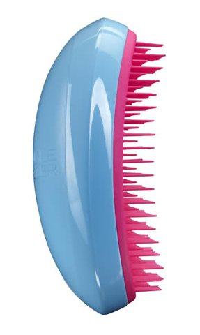 TANGLE TEEZER Расческа голубая / Tangle Teezer Salon Elite Blue BlushРасчески<br>Профессиональная распутывающая расческа Tangle Teezer идеально подходит для всех типов волос. Оригинальная форма зубчиков обеспечивает двойное действие и позволяет быстро, бережно и безболезненно расчесать влажные и сухие волосы. Благодаря эргономичному дизайну, расчёску удобно держать в руках, не опасаясь выскальзывания. Разработана для профессионального ухода за волосами. Полноразмерный вариант расчески Tangle Teezer. Максимальный эффект от массажа достигается благодаря эргономичной форме расчески и зубчиков. Размер: 12 7 4,5см<br>
