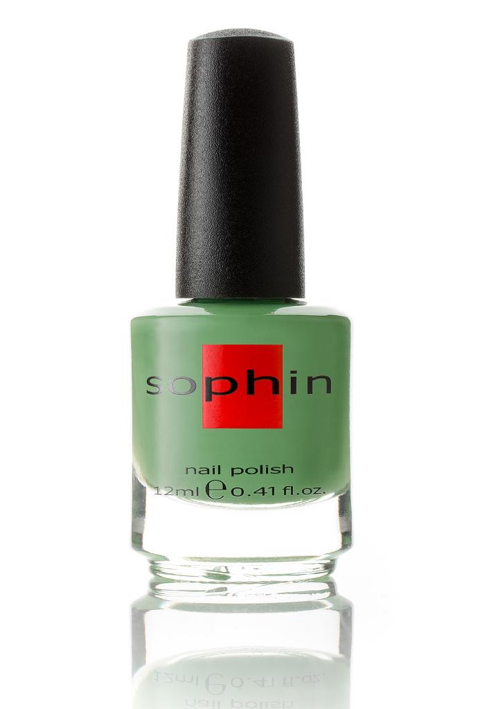 SOPHIN Лак для ногтей, травянисто-зеленый 12млЛаки<br>Коллекция лаков SOPHIN очень разнообразна и соответствует современным веяньям моды. Огромное количество цветов и оттенков дает возможность создать законченный образ на любой вкус. Удобный колпачок не скользит в руках, что облегчает и позволяет контролировать процесс нанесения лака. Флакон очень эргономичен, лак легко стекает по стенкам сосуда во внутреннюю чашу, что позволяет расходовать его полностью. И что самое главное - форма флакона позволяет сохранять однородность лаков с блестками, глиттером, перламутром. Кисть средней жесткости из натурального волоса обеспечивает легкое, ровное и гладкое нанесение. Травянисто-зеленый лак с серым подтоном кремовой текстуры Идеален при нанесении в два слоя&amp;nbsp; Отличный глянцевый финиш Big5free Активные ингредиенты. Состав: ethyl acetate, butyl acetate, nitrocellulose, acetyl tributyl citrate, isopropyl alcohol, adipic acid/neopentyl glycol/trimellitic anhydride copolymer, stearalkonium bentonite, n-butyl alcohol, styrene/acrylates copolymer, silica, benzophenone-1, trimethylpentanedyl dibenzoate, polyvinyl butyral.<br><br>Виды лака: Глянцевые