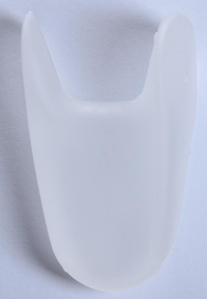 GEHWOL Гель-корректоры между пальцев, большие 3штОртопедические приспособления<br>Гель-корректоры между пальцами Геволь применяются для профилактики и коррекции деформаций пальцев. Гель-корректор относится к защитным средствам и выполнен из полимеризированного геля, способного принимать нужную форму, что особенно важно при искривлениях, сопровождающихся выпирающей косточкой. Гель-корректор защищает от трения и приносит облегчение при наличии мозолей между пальцами, корректирует и сохраняет физиологическое положение большого пальца в обуви. &amp;nbsp; В его составе содержатся минеральные масла, смягчающие загрубевшую кожу. &amp;nbsp; Способ применения: Разместить между пальцами стоп в проблемных местах.<br><br>Тип: Гель-корректор<br>Назначение: Мозоли