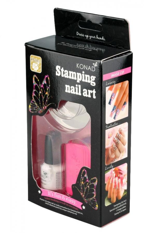 KONAD Набор для стемпинга (для начинающих) / Stamping Set 80грНаборы <br>Набор Stamping Set для дизайна ногтей, отлично подходит для знакомства с продукцией Konad. Комплектация: 1 специальный акриловый лак (5мл): белый 1 трафарет: M82 1 скрапер 1&amp;nbsp;штамп Способ применения: нанести лак на диск или пластину&amp;nbsp;для стемпинга, убрать излишки скрапером, отпечатать на штамп и перенести на ноготь.<br><br>Цвет: Белые