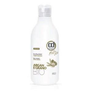 CONSTANT DELIGHT Бальзам гидро баланс / GRANO 250 млБальзамы<br>Бальзам для сухих волос. Биологически активные компоненты: масло арганы и пшеница, содержащие высокую концентрацию витамина Е (антиоксидант), смягчают сухую кожу головы и укрепляют волосы по всей длине. Бальзам делает волосы более мягкими и шелковистыми. Способ применения: нанесите необходимое кол-во бальзама на волосы и равномерно распределите по всей длине. Слегка помассируйте и оставьте на 2-3 минуты, затем тщательно смойте теплой водой.<br><br>Объем: 250 мл<br>Тип кожи головы: Сухая<br>Типы волос: Сухие