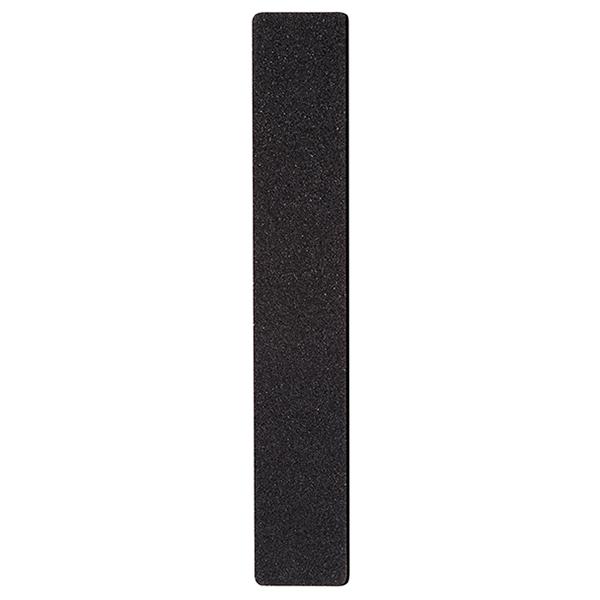 SOPHIN Пилка профессиональная, широкое полотно, санит.обработка, черная 100/180Пилки для ногтей<br>Эта серия профессиональных пилок поможет придать ногтям идеальную форму, как в салонах, так и в домашних условиях. В зависимости от зернистости пилки подходят для обработки натуральных и искусственных ногтей. Пилочки с маленьким абразивным числом от 80 до 180 используют для моделирования искусственных ногтей, причем стоит отметить, что акриловые ногти требуют более жесткого обращения, чем гелевые. Пилочки с абразивом от 180 до 240 можно использовать для обработки натуральных ногтей, они будут гораздо бережнее и мягче. Высококачественное покрытие пилок обеспечивает идеальную обработку ногтя и долгий срок службы. Удобная форма позволит легко добиться прекрасных результатов.<br>
