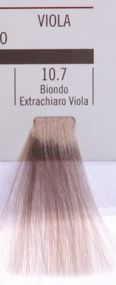 BAREX 10.7 краска для волос / PERMESSE 100млКраски<br>Оттенок: Экстра светлый блондин фиолетовый. Профессиональная крем-краска Permesse отличается низким содержанием аммиака - от 1 до 1,5%. Обеспечивает блестящий и натуральный косметический цвет, 100% покрытие седых волос, идеальное осветление, стойкость и насыщенность цвета до следующего окрашивания. Комплекс сертифицированных органических пептидов M4, входящих в состав, действует с момента нанесения, увлажняя волосы, придавая им прочность и защиту. Пептиды избирательно оседают в самых поврежденных участках волоса, восстанавливая и защищая их. Масло карите оказывает смягчающее и успокаивающее действие. Комплекс пептидов и масло карите стимулируют проникновение пигментов вглубь структуры волоса, придавая им здоровый вид, блеск и долговечность косметическому цвету. Активные ингредиенты:&amp;nbsp;Сертифицированные органические пептиды М4 - пептиды овса, бразильского ореха, сои и пшеницы, объединенные в полифункциональный комплекс, придающий прочность окрашенным волосам, увлажняющий и защищающий их. Сертифицированное органическое масло карите (масло ши) - богато жирными кислотами, экстрагируется из ореха африканского дерева карите. Оказывает смягчающий и целебный эффект на кожу и волосы, широко применяется в косметической индустрии. Масло карите защищает волосы от неблагоприятного воздействия внешней среды, интенсивно увлажняет кожу и волосы, т.к. обладает высокой степенью абсорбции, не забивает поры. Способ применения:&amp;nbsp;Крем-краска готовится в смеси с Молочком-оксигентом Permesse 10/20/30/40 объемов в соотношении 1:1 (например, 50 мл крем-краски + 50 мл молочка-оксигента). Молочко-оксигент работает в сочетании с крем-краской и гарантирует идеальное проявление краски. Тюбик крем-краски Permesse содержит 100 мл продукта, количество, достаточное для 2 полных нанесений. Всегда надевайте подходящие специальные перчатки перед подготовкой и нанесением краски. Подготавливайте смесь крем-краски и молочка-оксигента Perm