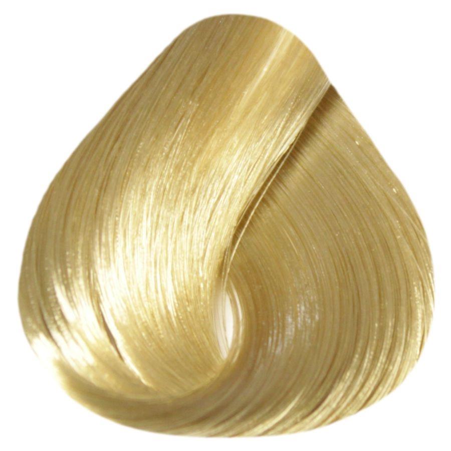ESTEL PROFESSIONAL 9/0 краска д/волос / DE LUXE SENSE 60млКраски<br>9/0 блондин Разнообразие палитры оттенков SENSE DE LUXE позволяет играть и варьировать цветом, усиливая естественную красоту волос, создавать яркие оттенки. Волосы приобретут великолепный блеск, мягкость и шелковистость. Новые возможности для мастера, истинное наслаждение для вашего клиента. Полуперманентная крем-краска для волос не содержит аммиак. Окрашивает волосы тон в тон. Придает глубину натуральному цвету волос, насыщает их блеском и сиянием. Выравнивает цвет волос по всей длине. Легко смешивается, обладает мягкой, эластичной консистенцией и приятным запахом, экономична в использовании. Масло авокадо, пантенол и экстракт оливы обеспечивают глубокое питание и увлажнение, кератиновый комплекс восстанавливает структуру и природную эластичность волос, сохраняет естественный гидробаланс кожи головы. Палитра цветов: 68 тонов. Цифровое обозначение тонов в палитре: Х/хх   первая цифра   уровень глубины тона х/Хх   вторая цифра   основной цветовой нюанс х/хХ   третья цифра   дополнительный цветовой нюанс Рекомендуемый расход крем-краски для волос средней густоты и длиной до 15 см   60 г (туба). Способ применения: ОКРАШИВАНИЕ Рекомендуемые соотношения Для темных оттенков 1-7 уровней и тонов EXTRA RED: 1 часть крем-краски SENSE DE LUXE + 2 части 3% оксигента DE LUXE Для светлых оттенков 8-10 уровней: 1 часть крем-краски ESTEL SENSE DE LUXE + 2 части 1,5% активатора DE LUXE. КОРРЕКТОРЫ /CORRECTOR/ 0/00N   /Нейтральный/ бесцветный безамиачный крем. Применяется для получения промежуточных оттенков по цветовому ряду. 0/66, 0/55, 0/44, 0/33, 0/22, 0/11   цветные корректоры. С помощью цветных корректоров можно усилить яркость, интенсивность цвета, или нейтрализовать нежелательный цветовой нюанс. Рекомендуемое количество корректоров: 1 г = 2 см На 30 г крем-краски (оттенки основной палитры): 10/Х   1-2 см 9/Х   2-3 см 8/Х   3-4 см 7/Х   4-5 см 6/Х   5-6 см 5/Х   6-7 см 4/Х   7-8 см 3/Х   8-9 см Корректоры могу