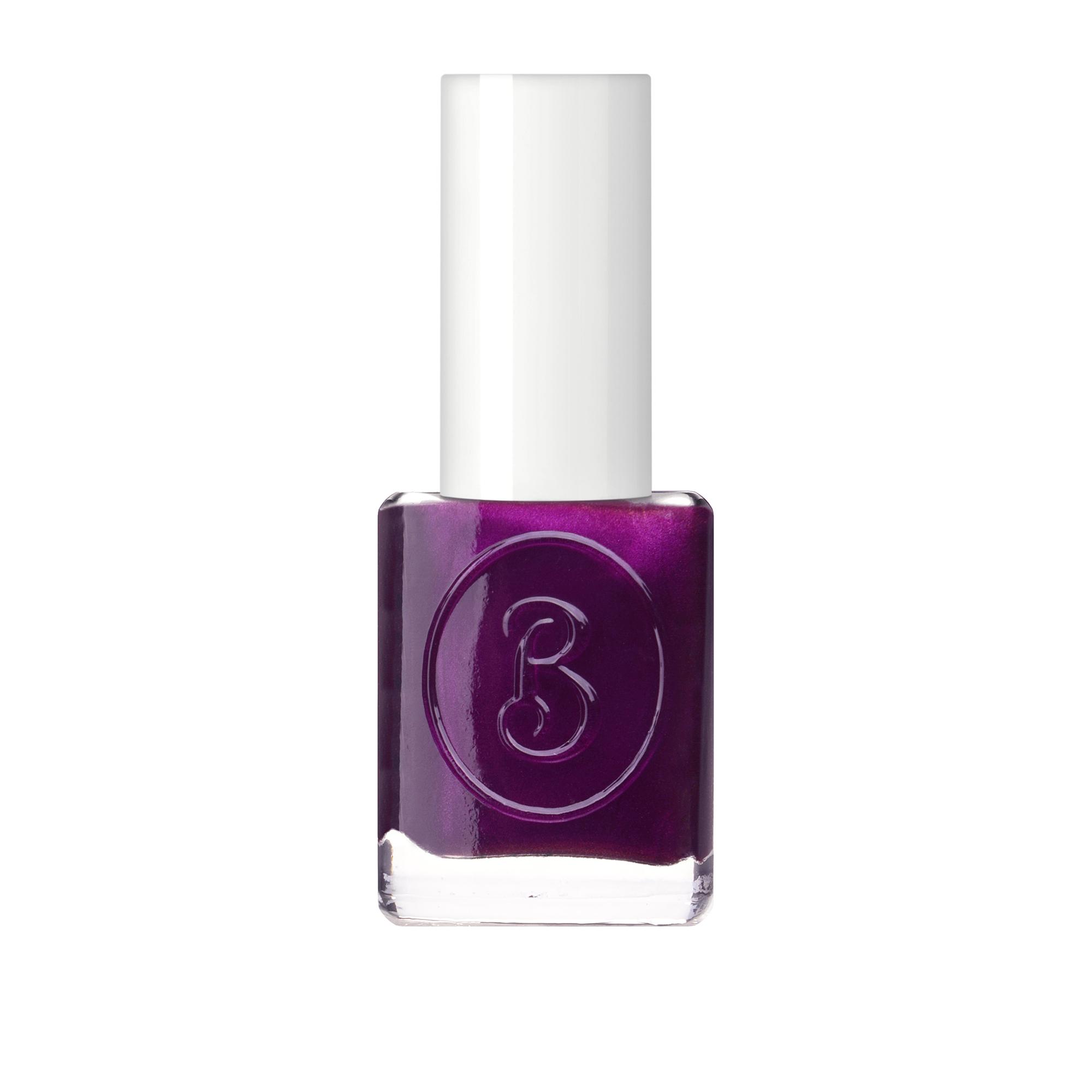 BERENICE Лак для ногтей пурпурное сердце тон 24 purple heart / BERENICE 16 млЛаки<br>Революционное открытие в области красоты ногтей на основе высоких швейцарских технологий    дышащий  лак для ногтей марки BERENICE. Он не оставит равнодушными ни мастеров маникюра, ни их клиентов. Этот лак содержит кислородный комплекс, который обеспечивает основное свойство лака   проницаемость воздуха и паров влаги в ноготь. Двойной пластификатор, содержащийся в составе, делает покрытие более гибким, продлевает стойкость маникюра, защищая от сколов и повреждений. Лак равномерно наносится и быстро сохнет. Профессиональная плоская кисточка обеспечивает идеальное прилегание к поверхности ногтя и нанесение лака.&amp;nbsp; Кислородный лак BERENICE   это здоровая альтернатива, традиционным лакам, блокирующим прохождение кислорода и влаги в ноготь. Система 5 free, в составе отсутствуют вредные компоненты такие как толуол, ДБП, формальдегидные смолы, фталаты и камфора.&amp;nbsp; Активные ингредиенты: смолы нового поколения, UV-фильтры<br><br>Цвет: Фиолетовые