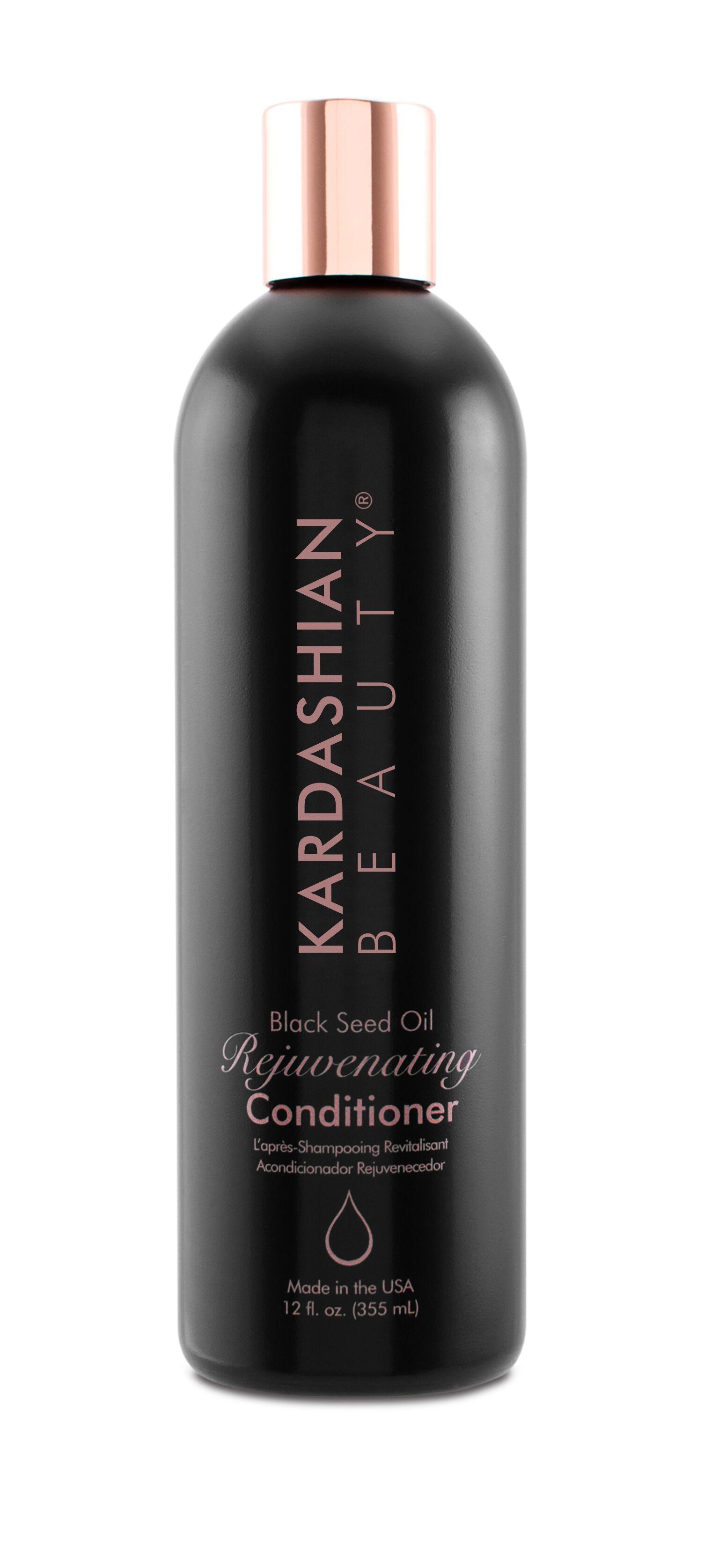 CHI Кондиционер омолаживающий с маслом черного тмина 355 млКондиционеры<br>Восстанавливает сухие повреждённые волосы, увлажняет, питает, наполняет их необходимыми витаминами и антиоксидантами. Избавляет от пушистости, придаёт прочность, блеск и&amp;nbsp;гладкость. Облегчает расчёсываемость. Активные ингредиенты: гидролизованный шёлк, масло чёрного тмина, пантенол<br>