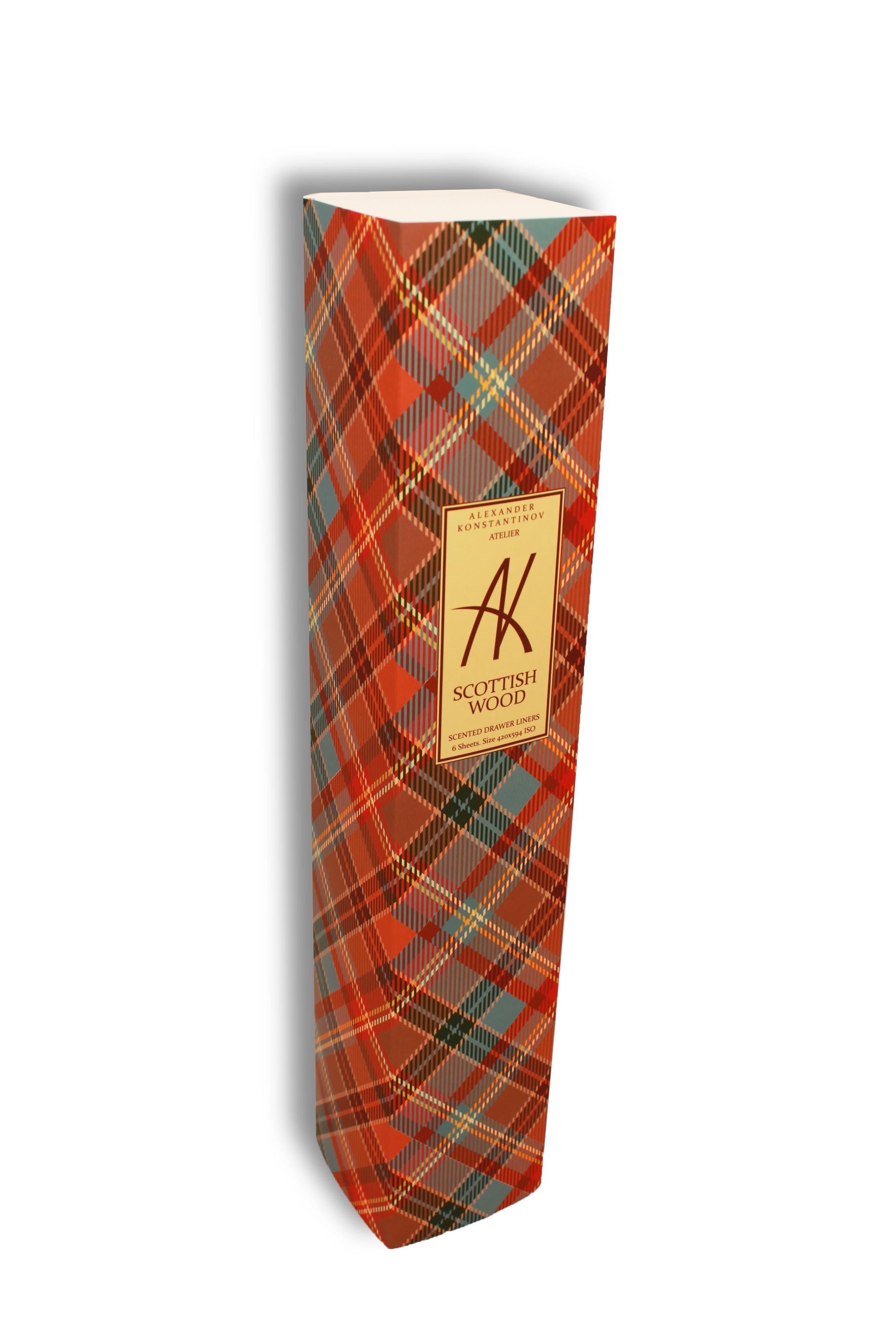 AK ATELIER Аромобумага для комодов (Шотландский лес) / Scottish woodБумага<br>1. АК Ателье расположено в самом сердце Москвы на Рождественском бульваре. 2. Аромосостав для бумаги готовится исключительно из качественных, гипоаллергенных ингредиентов. 3. Бумага обработана аромосоставом вручную, по специальной технологии. 4. Аромобумага обладает легким ненавязчивым ароматом, за счет гигроскопичности регулирует влажность, что создаёт особый микроклимат в Комоде (бельевом шкафу). 5. Бумага запаяна в полиэтиленовый рукав по 6 принтов форматом А2, в комплекте проволочный замок для сохранения аромата в оставшихся листах, не уложенных в ящик. Scottish wood. Шотландский лес. Верхние ноты: пряные специи. Ноты сердца: лист табака, табак, бобы тонка, цветок табака. Базовые аккорды: сухофрукты, ваниль, какао. Способ применения: перед укладкой, лист можно обрезать или подвернуть под размер ящика. Необходимо дать бумаге  подышать  2-3 минуты.<br>