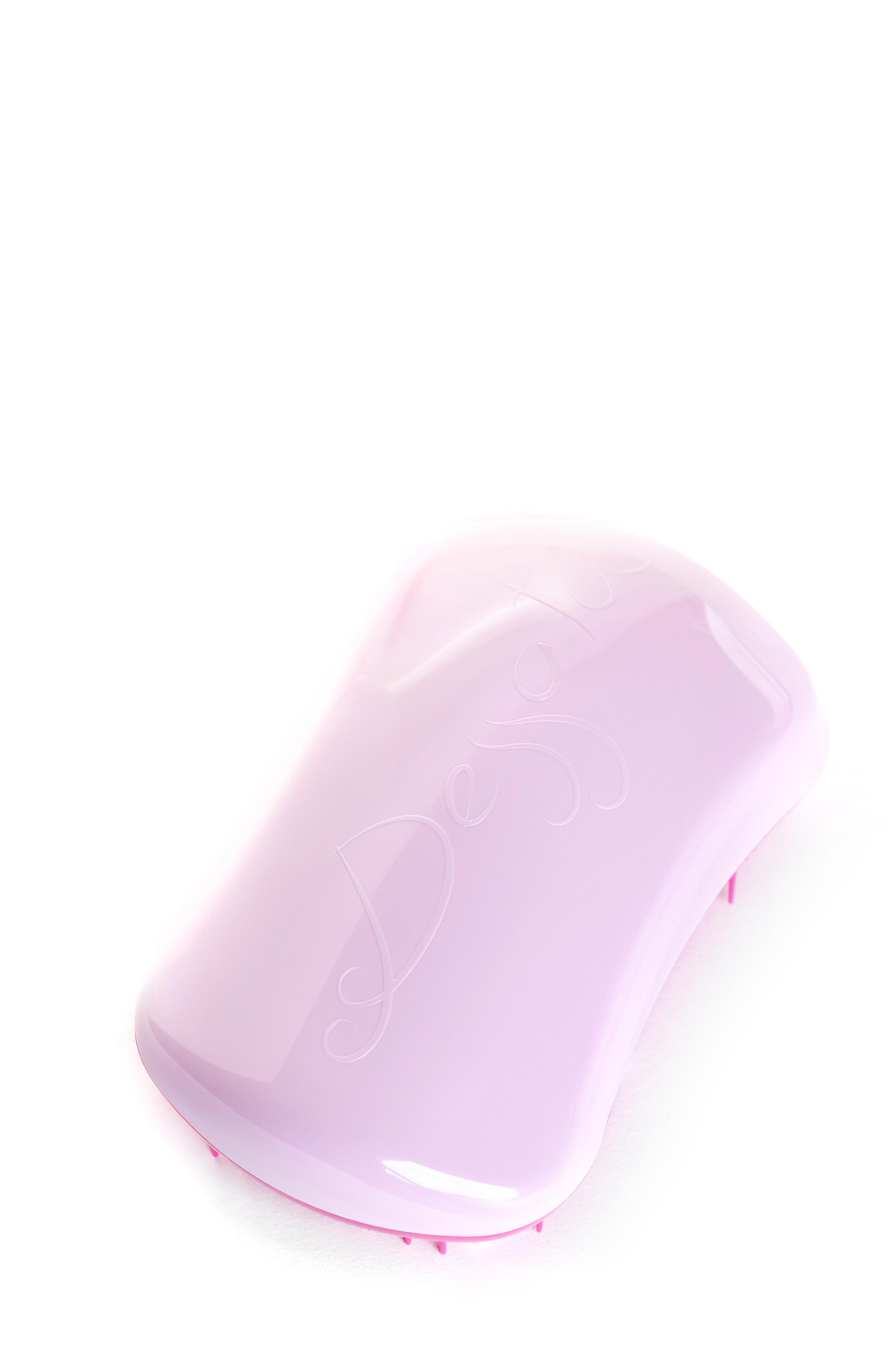 DESSATA Расческа для волос Dessata Hair Brush Original Pink-Fuchsia; Розовый-ФуксияРасчески<br>Расческа Dessata Original быстро и легко расчесывает волосы, не требует использования дополнительных средств. Специальная конструкция расчески исключает спутывание и повреждение волос. Dessata подходит для всех типов волос. 440 зубчиков разной длины бережно расчесывают даже самые спутанные волосы не травимруя их. Благодаря эргономичному дизайну расческа удобно лежит в руке, повторяя форму голов Материал: гипоаллергенный пластик.<br><br>Типы волос: Для всех типов