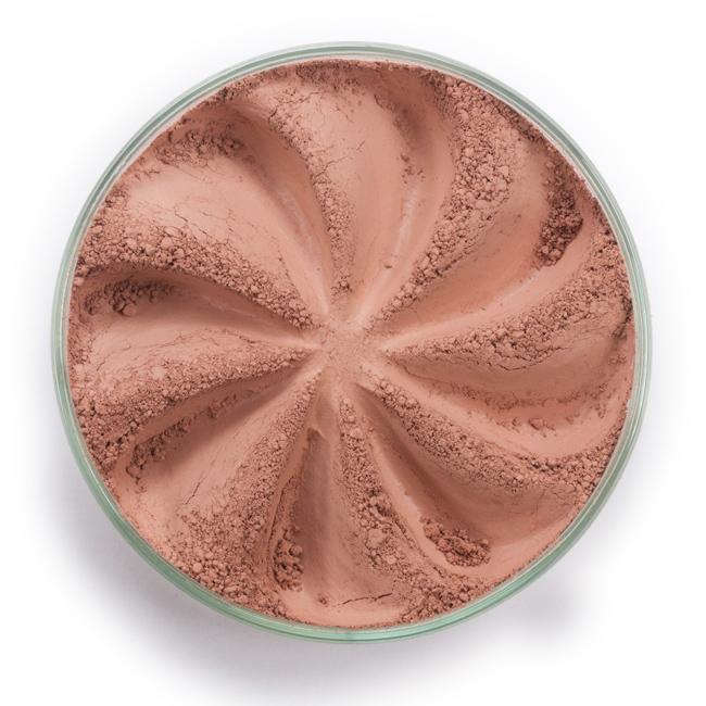 ERA MINERALS Румяна минеральные 117 / Mineral Blush, Matte 2,5 грРумяна<br>Румяна и бронзер изготовлены из натуральных минеральных пигментов, которые легко смешиваются, обеспечивают стойкий макияж и подходят для всех типов кожи, в том числе для чувствительной и проблемной. Мягкие шелковистые оттенки подчеркивают естественный цвет кожи, делая ее здоровой и юной. Нежные и невесомые румяна и бронзер помогут вам создать макияж желаемого оттенка. Выберите подходящие для вас формулы румян, чтобы придать вашим щекам блестящий цвет и мягкий тон, а также оттенок бронзера, чтобы достигнуть легкого золотистого сияния или глубокого равномерного загара вашей кожи. Способ применения: Поместите небольшое количество Минеральных Румян в крышку от контейнера или на Палитру для косметики.&amp;nbsp; Используя одну из наших Кистей для румян или кистей для контурирования, наберите средство верхушкой сухой кисти и стряхните излишки.&amp;nbsp; Легкими штрихами нанесите на выпуклую часть щек, распределяя к вискам и растушевывая.&amp;nbsp; Для получения желаемого цвета наносите слоями.&amp;nbsp; Если вы используете пробные образцы, будет удобней, если насыпать небольшое количество Минеральных Румян на Палитру для косметики или небольшую тарелочку, чтобы было проще заполнить ворсинки кисти.<br><br>Объем: 2,5 гр