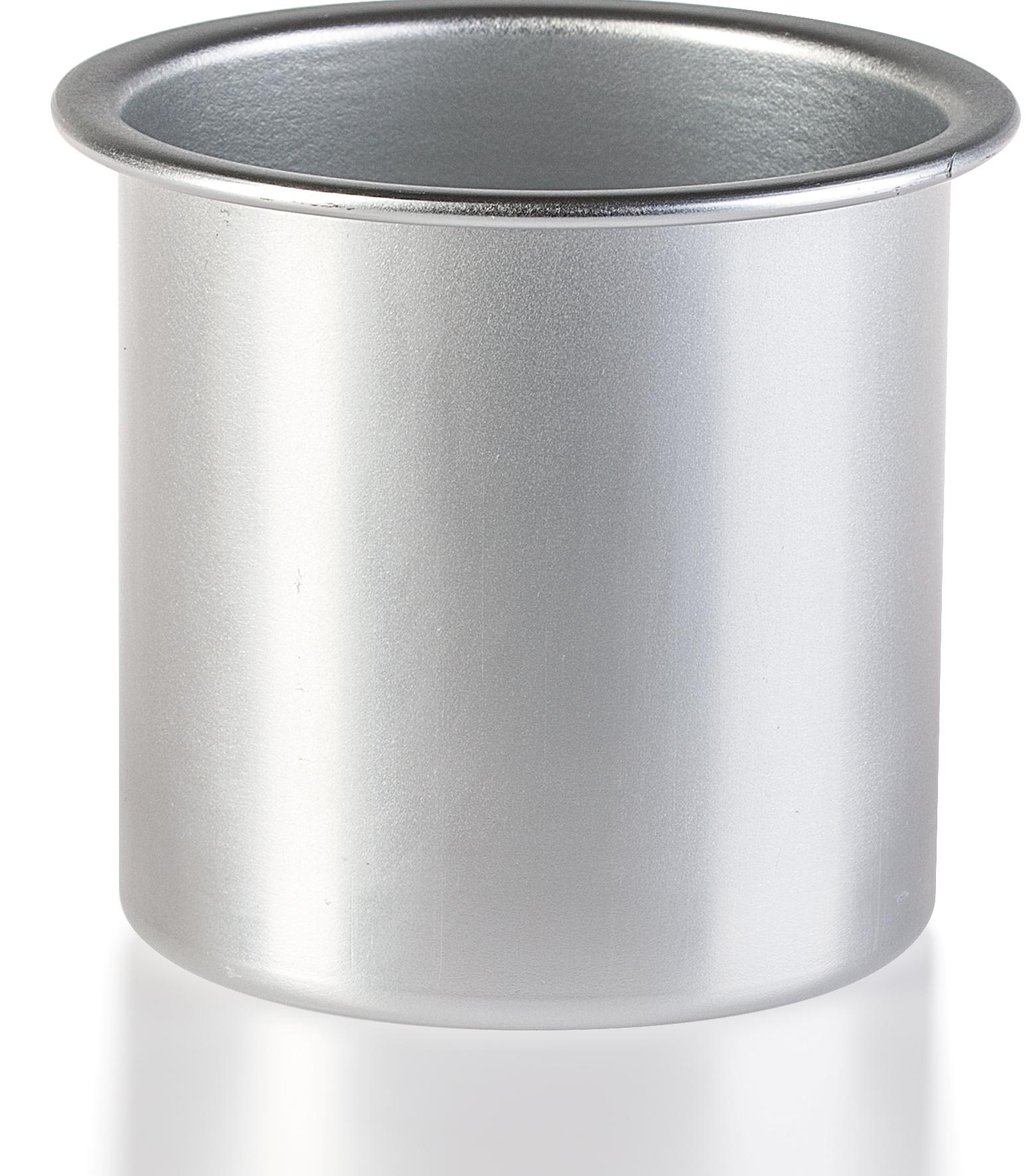 DEPILICA PROFESSIONAL Стакан для разогревания воска 800гр / Wax Warmer InsertОсобые аксессуары<br>Воски для эпиляции очень удобны в использовании &amp;ndash; достаточно нескольких минут нагрева, и они уже готовы к применению. Но не у каждого вида воска имеется в комплекте посуда, в которой будет осуществляться нагрев. Например, горячий воск в гранулах продается в пакете, без банки для его плавления. В этом случае придет на помощь Depilica &amp;ndash; стакан для разогревания воска на 800 грамм. Он вставляется в нагреватель вместо банки с воском, позволяя расплавлять любое количество средства для эпиляции. Стакан выполнен из алюминия, что обеспечивает быстрый нагрев и плавление восковых гранул. Удобный бортик стакана позволяет использовать держатель для помещения стакана в нагреватель и изъятия его оттуда. Способ применения: отмерьте необходимое количество гранулированного воска и насыпьте его в алюминиевый стакан. Наденьте на стакан защитный бумажный круг, чтобы уберечь нагреватель от капель воска и поставьте его в воскоплав при помощи держателя. Разогрев воск, достаньте стакан из нагревателя, пользуясь держателем для банок.<br>