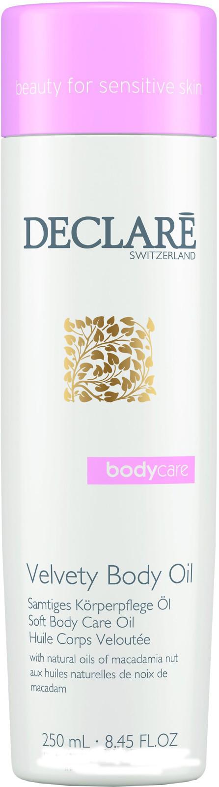 DECLARE Масло увлажняющее для тела Прикосновение бархата / Velvety Body Oil 250млМасла<br>Масло для тела Прикосновение бархата питает и великолепно увлажняет самую требовательную кожу, обеспечивает оптимальный комфорт и гладкость, устраняет раздражение и шелушение. Тонкий сбалансированный аромат клюквы, черной смородины, ландыша и мускуса дарит коже ощущение свежести. Способ применения: небольшое количество средства нанести мягкими круговыми движениями на кожу после принятия ванны или душа. Активные ингредиенты:   Масло макадами   Масло бурачника   Масло из семян клюквы   Масло из семян подсолнечника   Экстракт розмарина<br><br>Объем: 250 мл