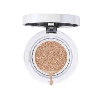 AVANT scene Основа акватональная в подушечке, 21 / Cushion foundationТональные основы<br>Ультралегкая нежная эмульсия в мягкой подушечке для безупречного макияжа и интенсивного ухода на каждый день. Особенности: - выравнивает тон кожи; - фактор защиты от УФ-излучения (SPF) 50; - снимает воспаление, выравнивает пигментацию кожи, нормализует выработку липидов; - борется с акне, предотвращает образование шрамов и пятен после акне; - обладает мощным антивозрастным эффектом, улучшает тонус и эластичность кожи; Способ применения: в комплект входит специальный спонж, который имеет запатентованную двойную структуру. Он обеспечивает оптимальный расход средства и простоту нанесения. - спонжем слегка надавите на подушечку; - этим же спонжем распределите эмульсию на лицо легкими разглаживающими движениями. - начните нанесение от центра лица, постепенно двигаясь к перифериям. Упаковка является многоразовой, сменный блок можно приобрести отдельно.<br>