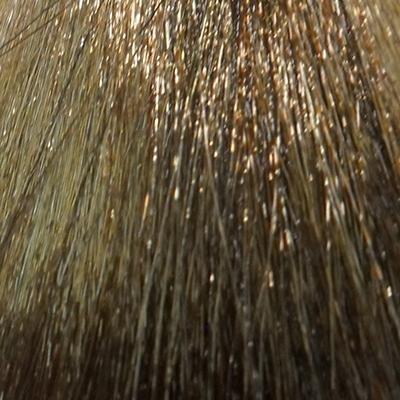 MATRIX 7AG краска для волос / КОЛОР СИНК 90млКраски<br>7AG блондин пепельно-золотистый, 90 мл MATRIX Color Sync крем-краска без аммиака. Многогранность: Крем-краска без аммиака Колор Синк создает новый оттенок на натуральных волосах или на ранее окрашенных без осветления. Колор Синк применяется для восстановления оттенка стойких красителей, а также для коррекции цвета. Здоровые волосы: Запатентованная формула ухаживающего и восстанавливающего комплекса керамидов помогает выровнять пористые участки волос, облегчая тем самым впитывание и проявление краски. Формула без аммиака: Позволяет максимально сохранить здоровье волос. Краска не раскрывает кутикулы и, следовательно, является совершенно безвредной и безопасной. Ровный цвет: Колор Синк позволяет тонировать оттенком без оседания красителя на отдельных участках. Бриллиантовый блеск: Создайте потрясающий блеск эффектных шелковых волос, к которым хочется прикоснуться. Комплекс ухаживающих керамидов: Помогает восстановить пористые участки волос, создавая гладкую, полированную поверхность кутикулы волоса, для получения ровного окрашивания. 10 уникальных возможностей: Тонирование - создание оттенка на существующем уровне тона или темнее. Тонирование осветленных волос - создание стойкого оттенка на предварительно обесцвеченных или осветленных волосах. Тонирование седины - от легкого тонирования до абсолютного. Пастельное тонирование - использование оттенков в цветовом дизайне и при мелировании. Восстановление цвета - оживление ранее созданного оттенка по длине. Коррекция цвета - мягкое исправление нежелательного оттенка волос. Синхронизация цвета - совмещение оттенка по длине с отросшей прикорневой частью, либо совмещение разнородных оттенков по длине волоса. Утрирование яркого оттенка - усиление выбранного оттенка бустером. Разбавление - выбранный оттенок можно получить на тон светлее, если разбавить его прозрачным нюансом. Глазирование - покрытие волос сверкающей глазурью блеска (с оттенком или без, сохраняя естественный