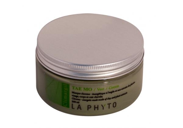 LA PHYTO Глина для лица, тела и волос Зеленая / Tae-mo Vert CLIMARGIL 150 грГлины<br>Глина для лица и тела Зеленая - стимулирует работу мышц, эмоционально расслабляющая. Способствует выведению токсинов и поддержанию водного баланса тела и лица. Освежающая и успокаивающая. Активные ингредиенты: глина и эфирные масла тимьяна, эвкалипта, лаванды, розмарина, шалфея, вербены, герани, лимона, кипариса, каепута (melaleuca quinquenervia или niaouli) и мяты. Способ применения: нанести глину на все тело и/или лицо, рефлекторные зоны, энергетические меридианы согласно протокола процедуры. Время воздействия   около 15 минут. Смыть. В домашних условиях можно использовать в качестве масок и обертываний, а также для умывания (нанести на лицо и шею мягкими круговыми движениями, смыть теплой водой).<br><br>Вид средства для волос: Стимулирующий<br>Типы кожи: Для всех типов<br>Типы волос: Для всех типов