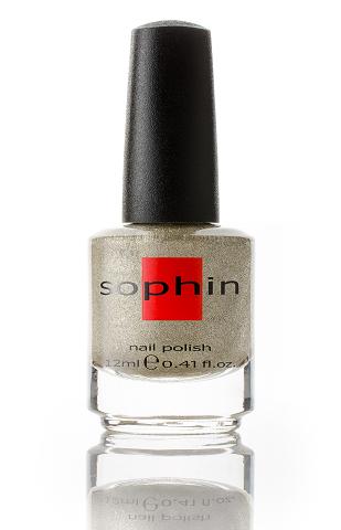 SOPHIN Лак для ногтей, золотисто-серебряный песок 12млЛаки<br>Коллекция лаков SOPHIN очень разнообразна и соответствует современным веяньям моды. Огромное количество цветов и оттенков дает возможность создать законченный образ на любой вкус. Удобный колпачок не скользит в руках, что облегчает и позволяет контролировать процесс нанесения лака. Флакон очень эргономичен, лак легко стекает по стенкам сосуда во внутреннюю чашу, что позволяет расходовать его полностью. И что самое главное - форма флакона позволяет сохранять однородность лаков с блестками, глиттером, перламутром. Кисть средней жесткости из натурального волоса обеспечивает легкое, ровное и гладкое нанесение. Big5free! Активные ингредиенты. Состав: ethyl acetate, butyl acetate, nitrocellulose, acetyl tributyl citrate, isopropyl alcohol, adipic acid/neopentyl glycol/trimellitic anhydride copolymer, stearalkonium bentonite, n-butyl alcohol, styrene/acrylates copolymer, silica, benzophenone-1, trimethylpentanedyl dibenzoate, polyvinyl butyral.<br>
